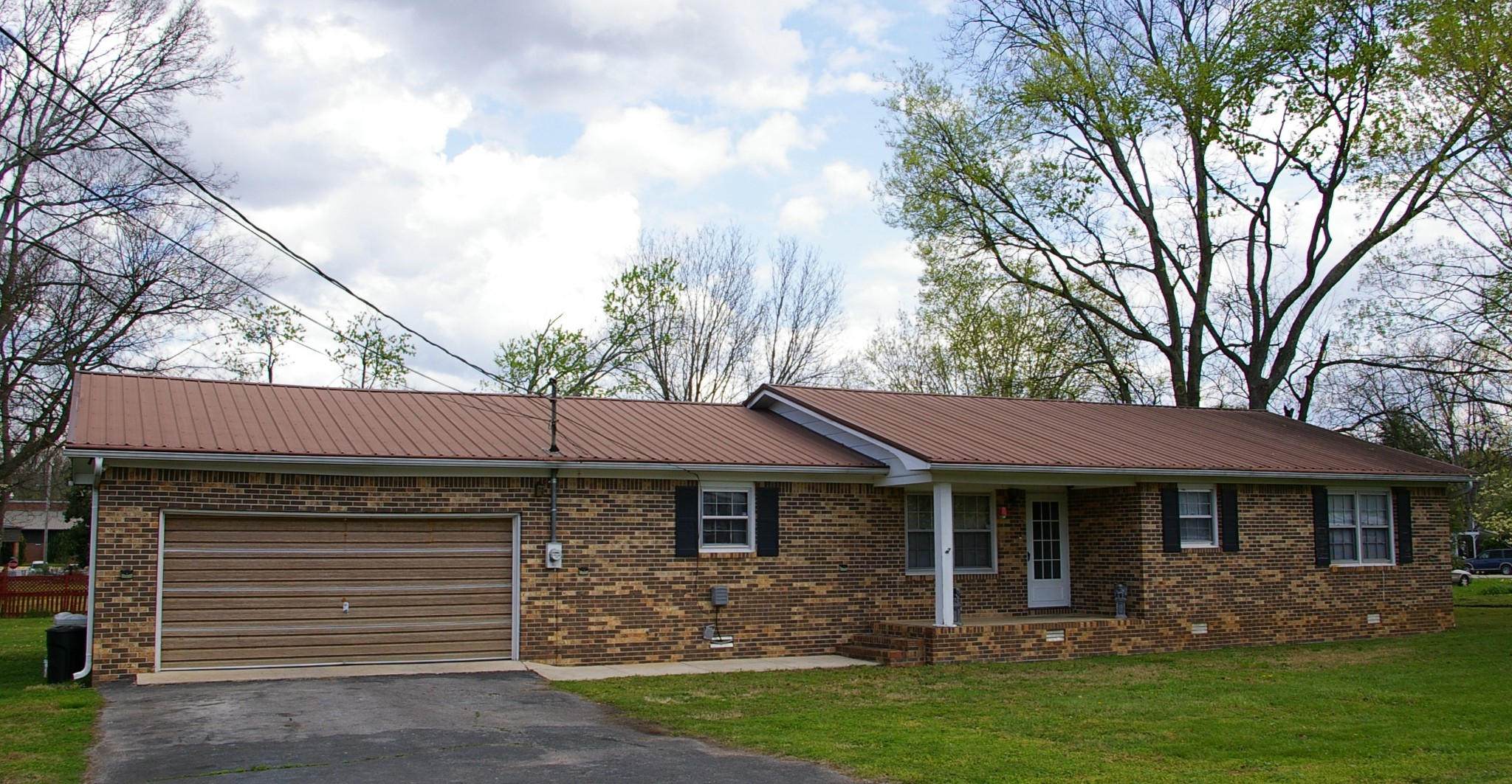 102 Hill St N Property Photo - Cowan, TN real estate listing