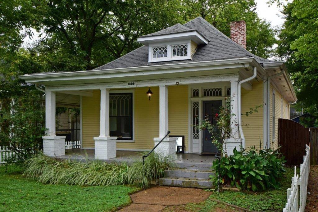 1303 Greenwood Ave Property Photo