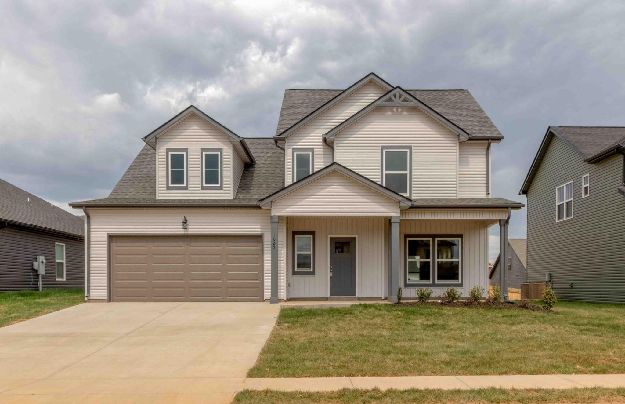 1025 Spicer Dr Property Photo - Clarksville, TN real estate listing