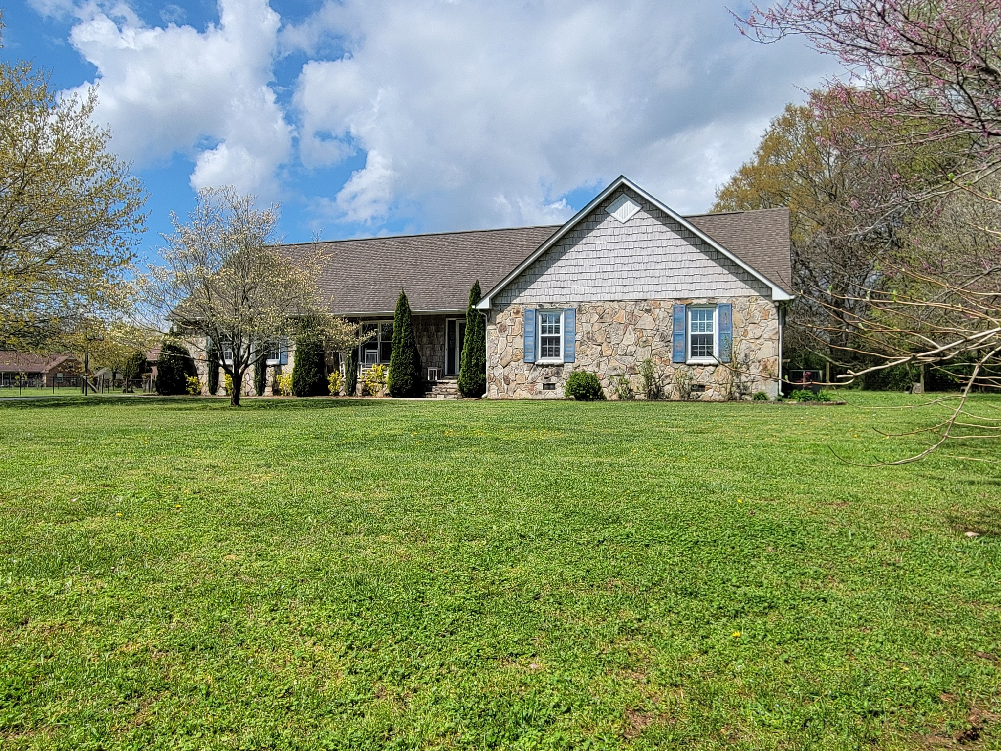 249 Wakefield Dr Property Photo - Manchester, TN real estate listing