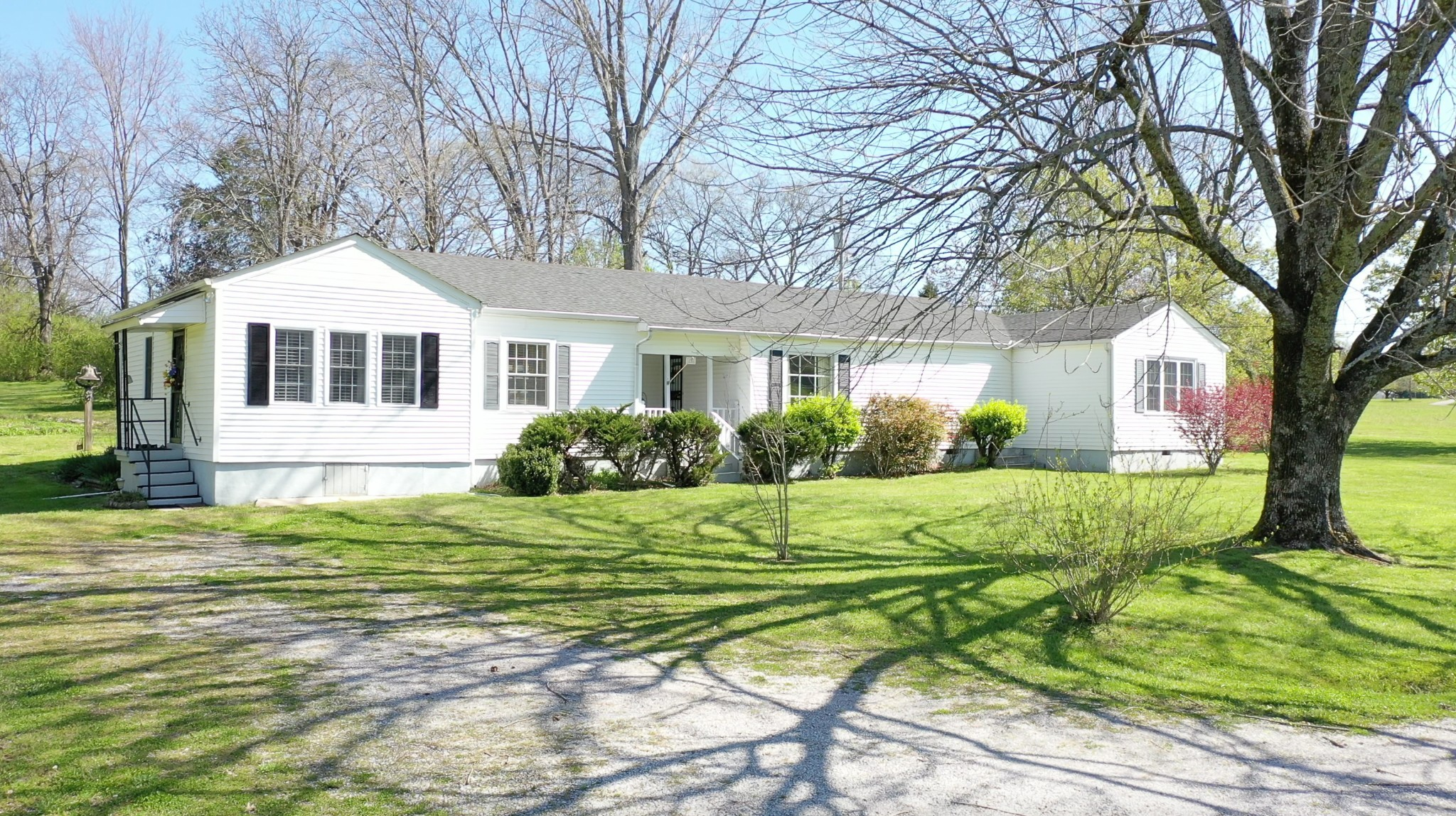 1041 Craig Moore Rd Property Photo - Lewisburg, TN real estate listing