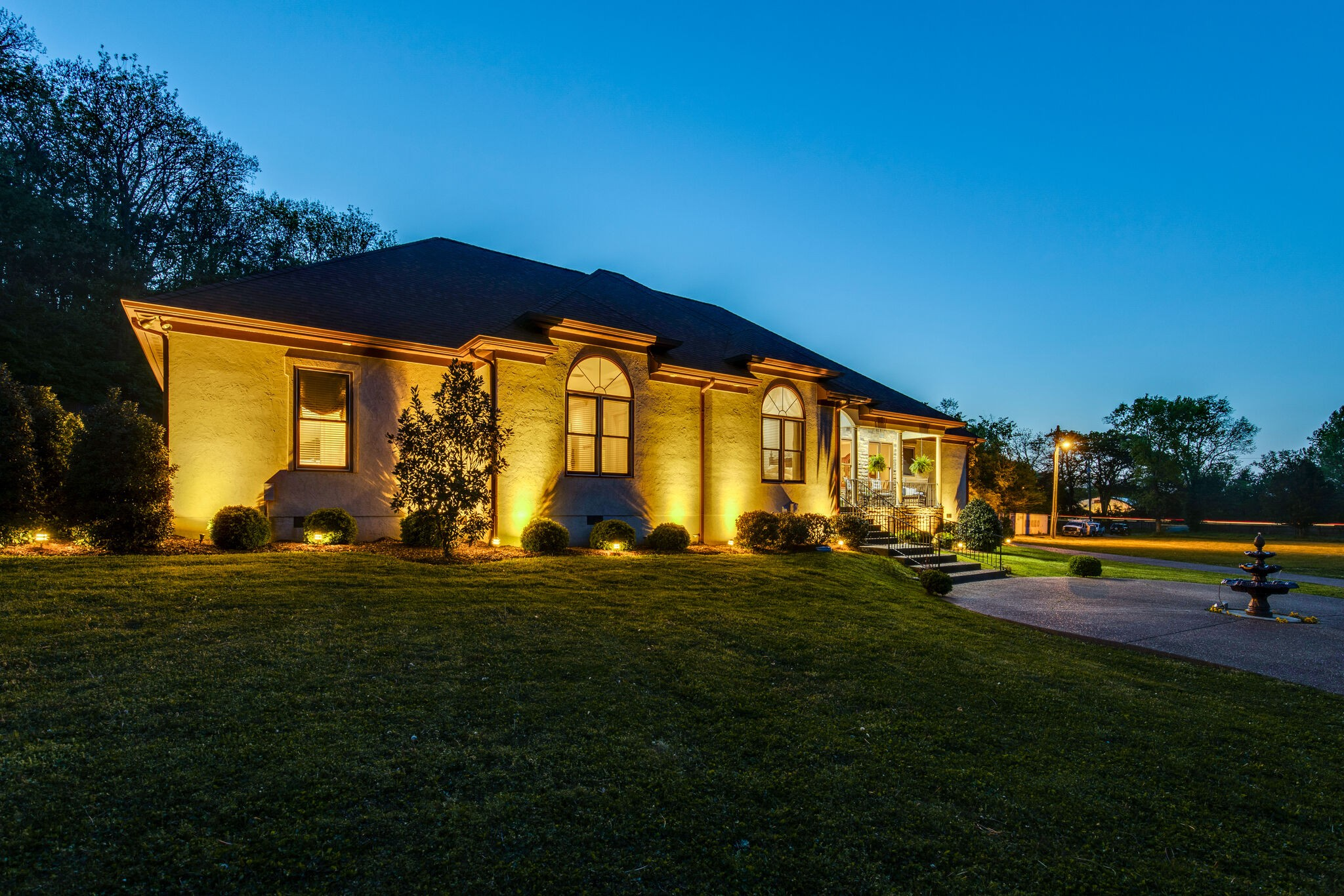 7433 Sawyer Brown Rd Etal Real Estate Listings Main Image