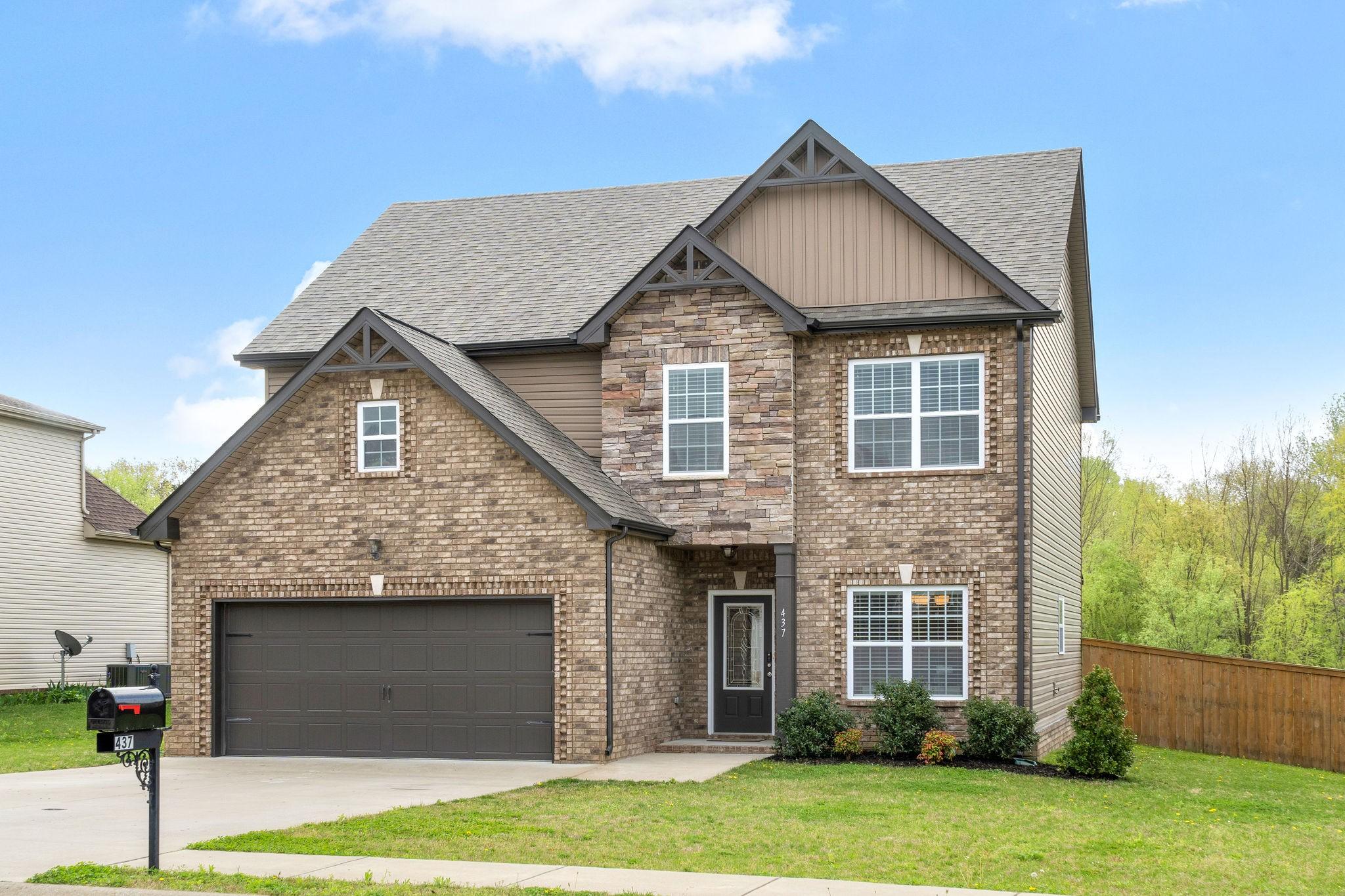 437 Sedgwick Ln Property Photo