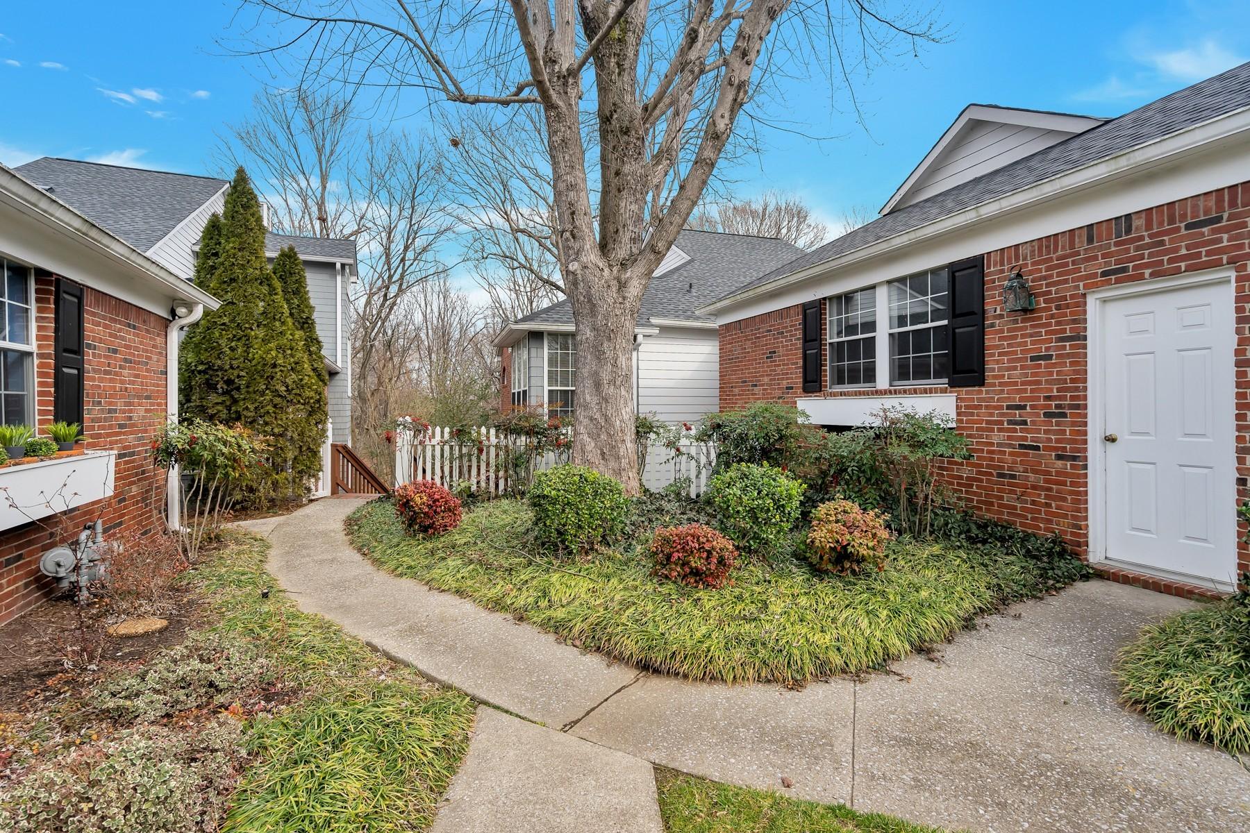 Beacon Hill Vil Condo 1 Real Estate Listings Main Image