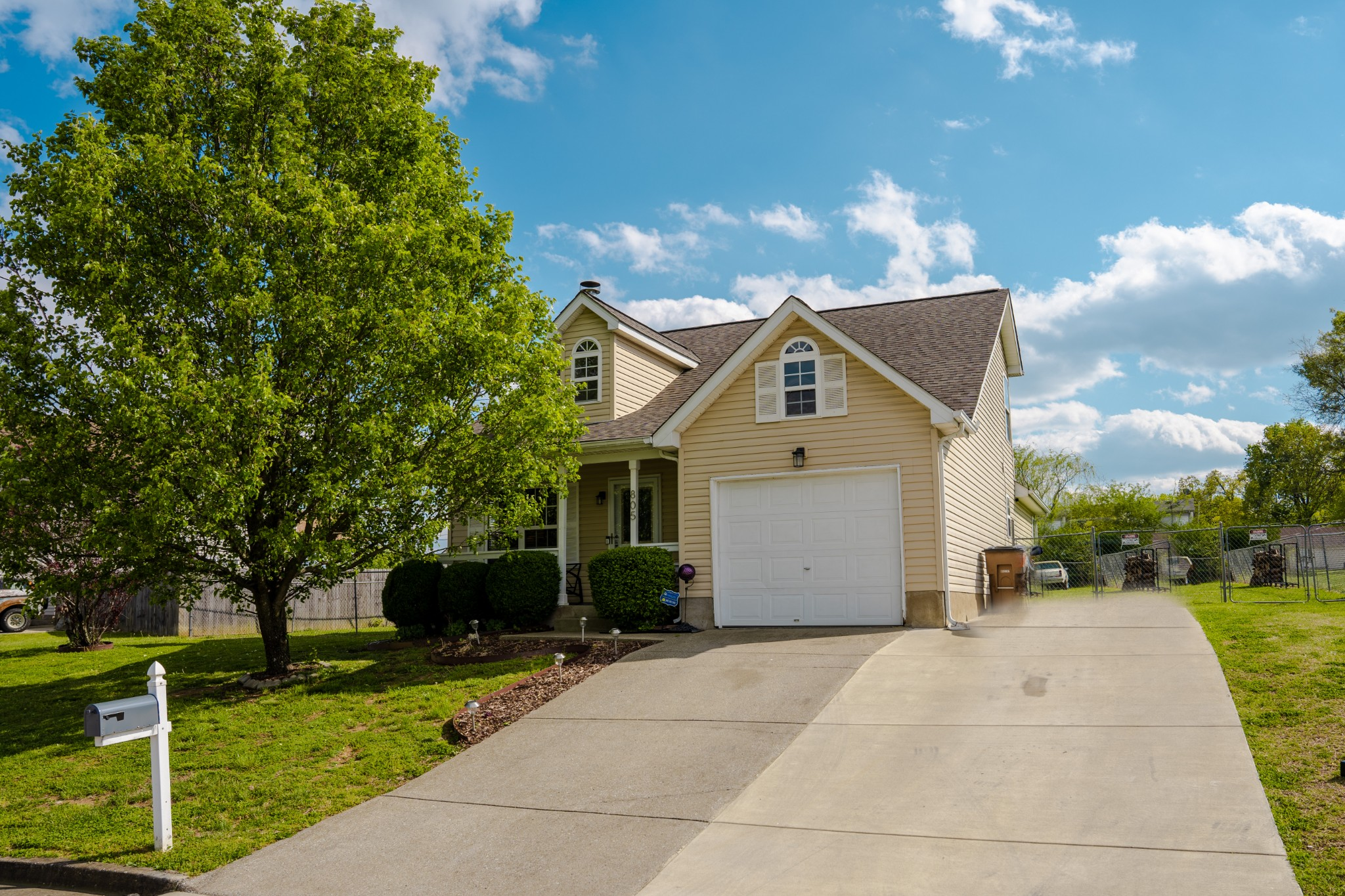 805 Stone Flower Ct Property Photo - Antioch, TN real estate listing