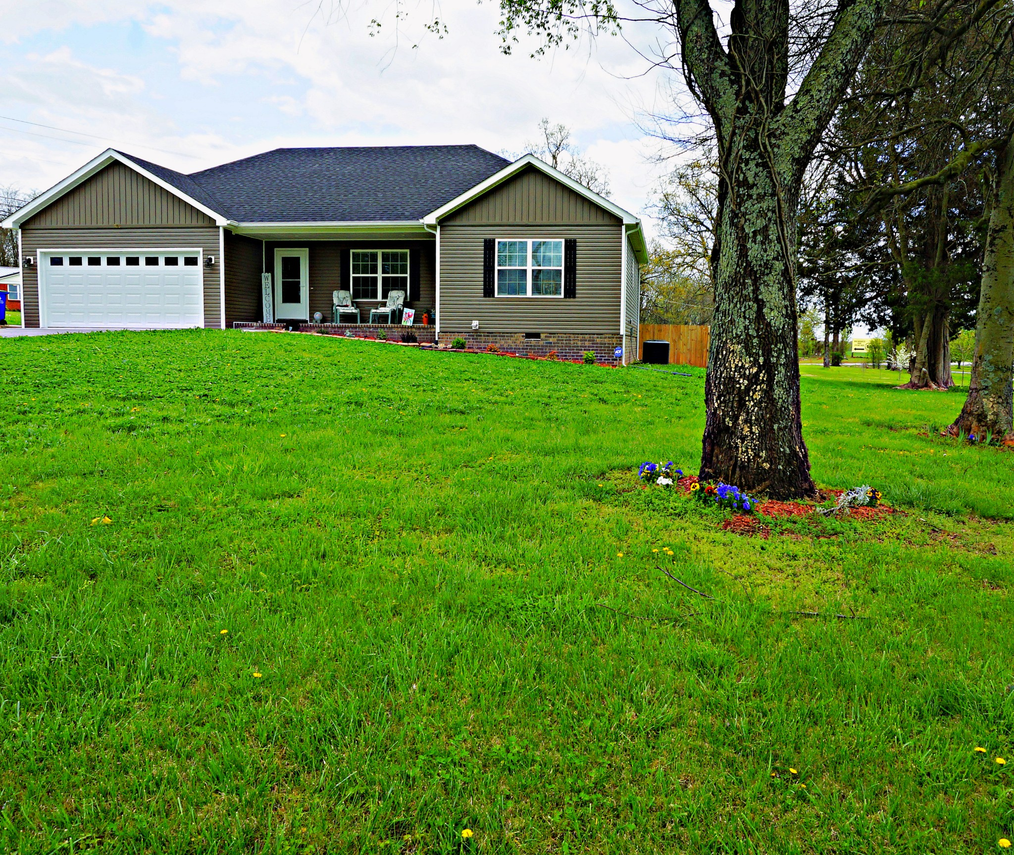 103 Country Club Blvd Property Photo - Russellville, KY real estate listing