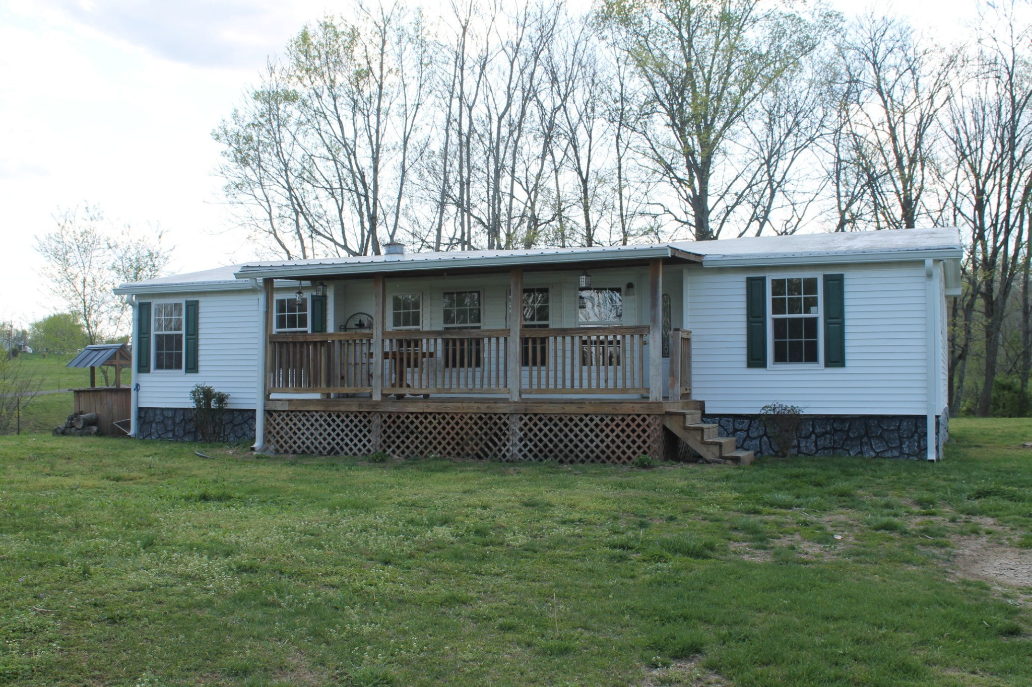 5904 Carthage Rd Property Photo - Pleasant Shade, TN real estate listing