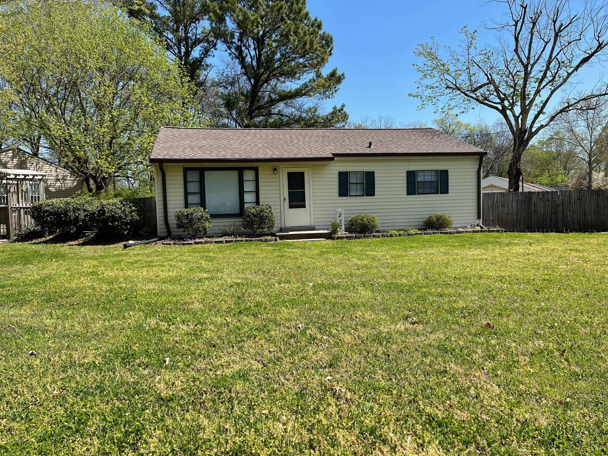 222 Stadium Dr Property Photo - Hendersonville, TN real estate listing
