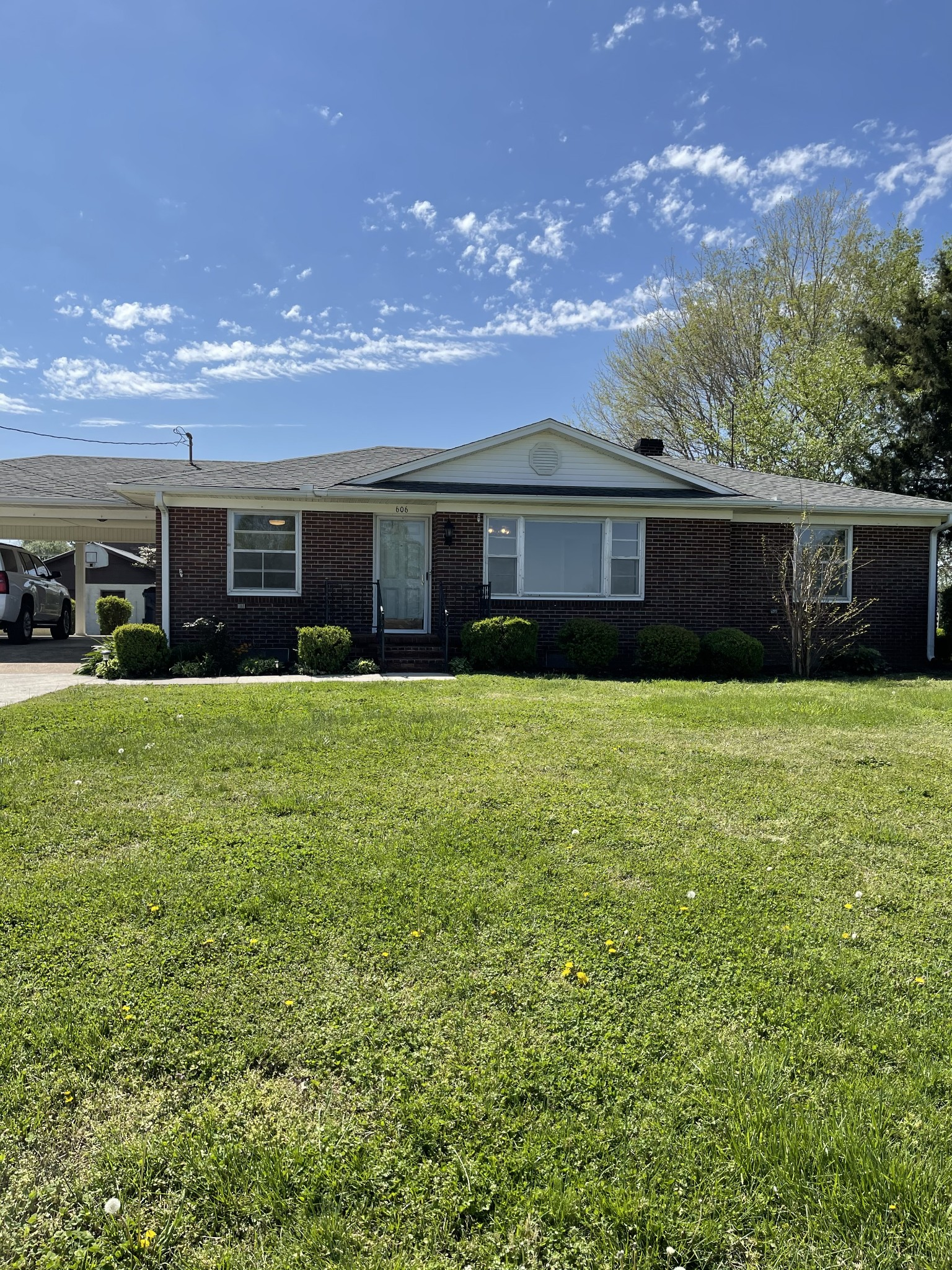 606 2nd Ave S Property Photo - Loretto, TN real estate listing
