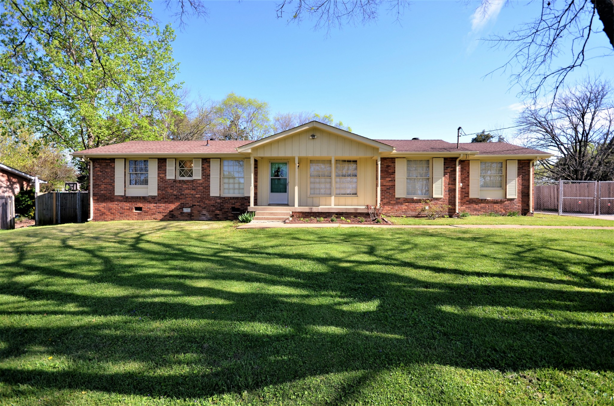 132 Savely Dr Property Photo - Hendersonville, TN real estate listing