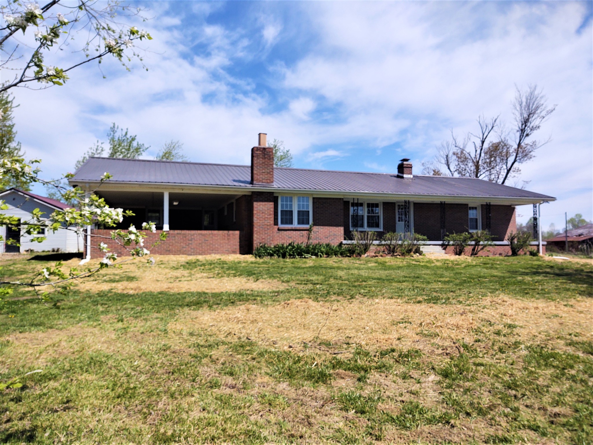 890 Underwood Rd Property Photo - Lafayette, TN real estate listing