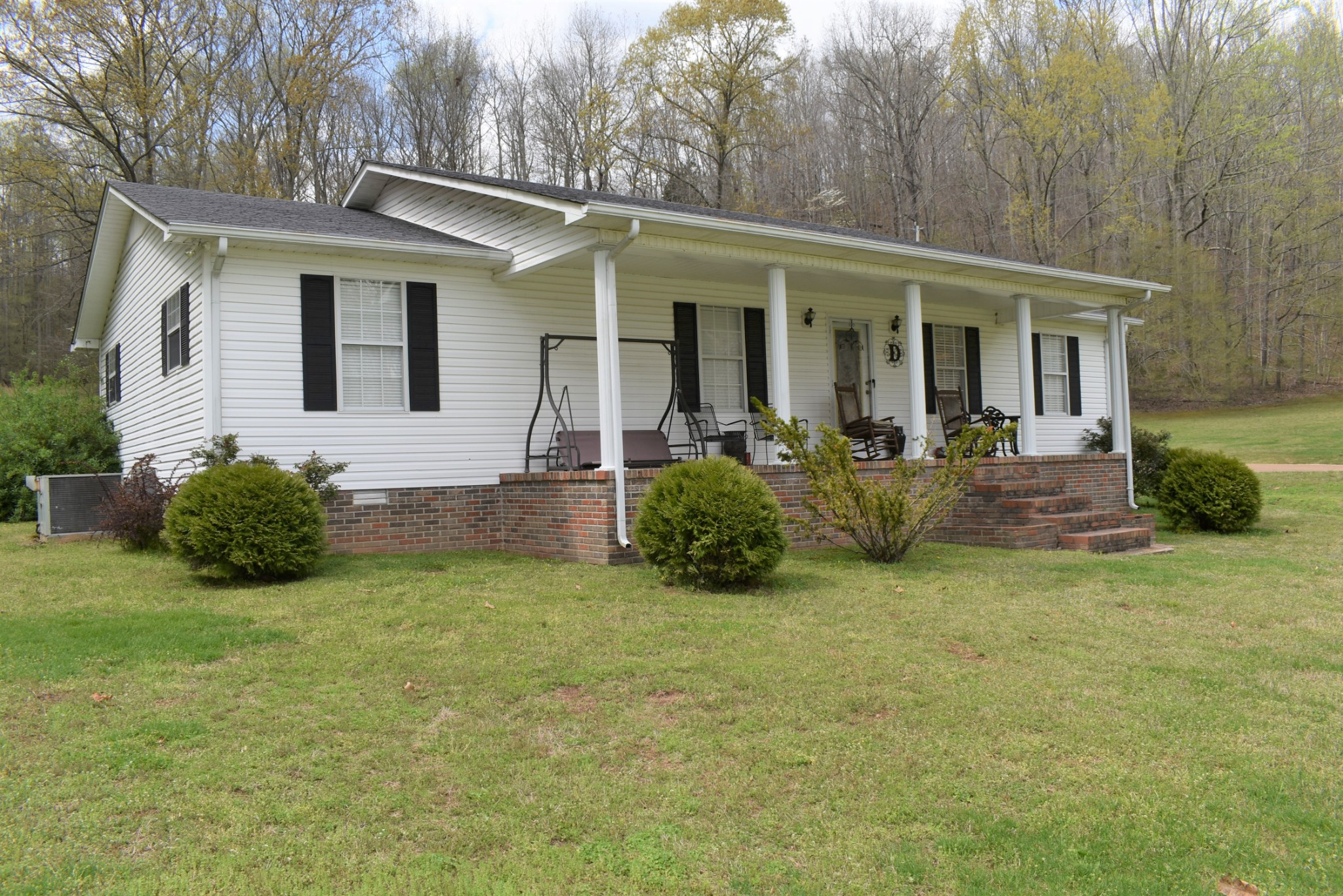 198 Airport Rd Property Photo - Linden, TN real estate listing