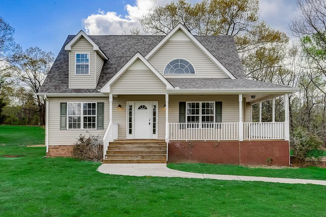 517 Aubrey Ln Property Photo - Burns, TN real estate listing