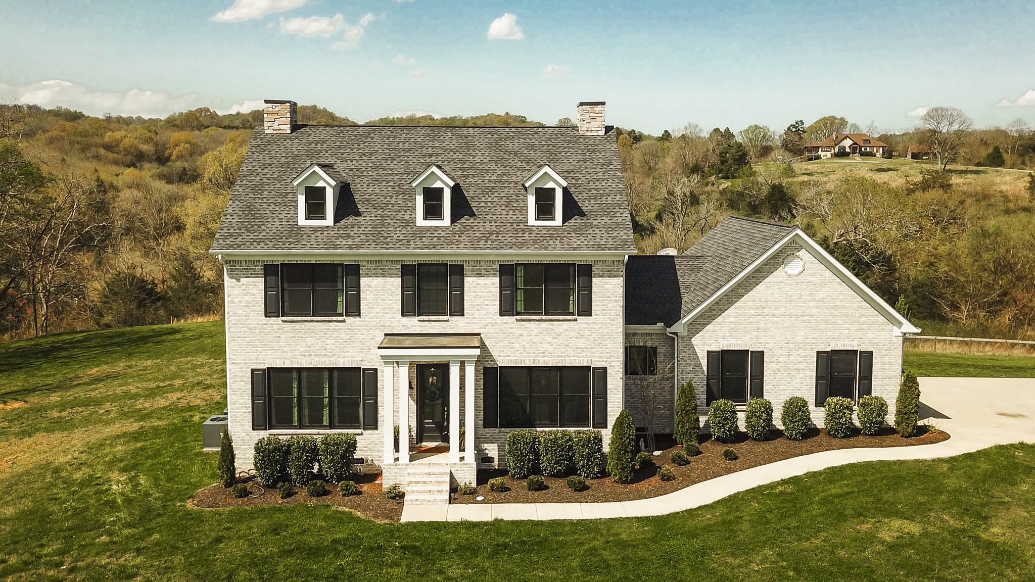 1576 Liberty Ln Property Photo - Gallatin, TN real estate listing