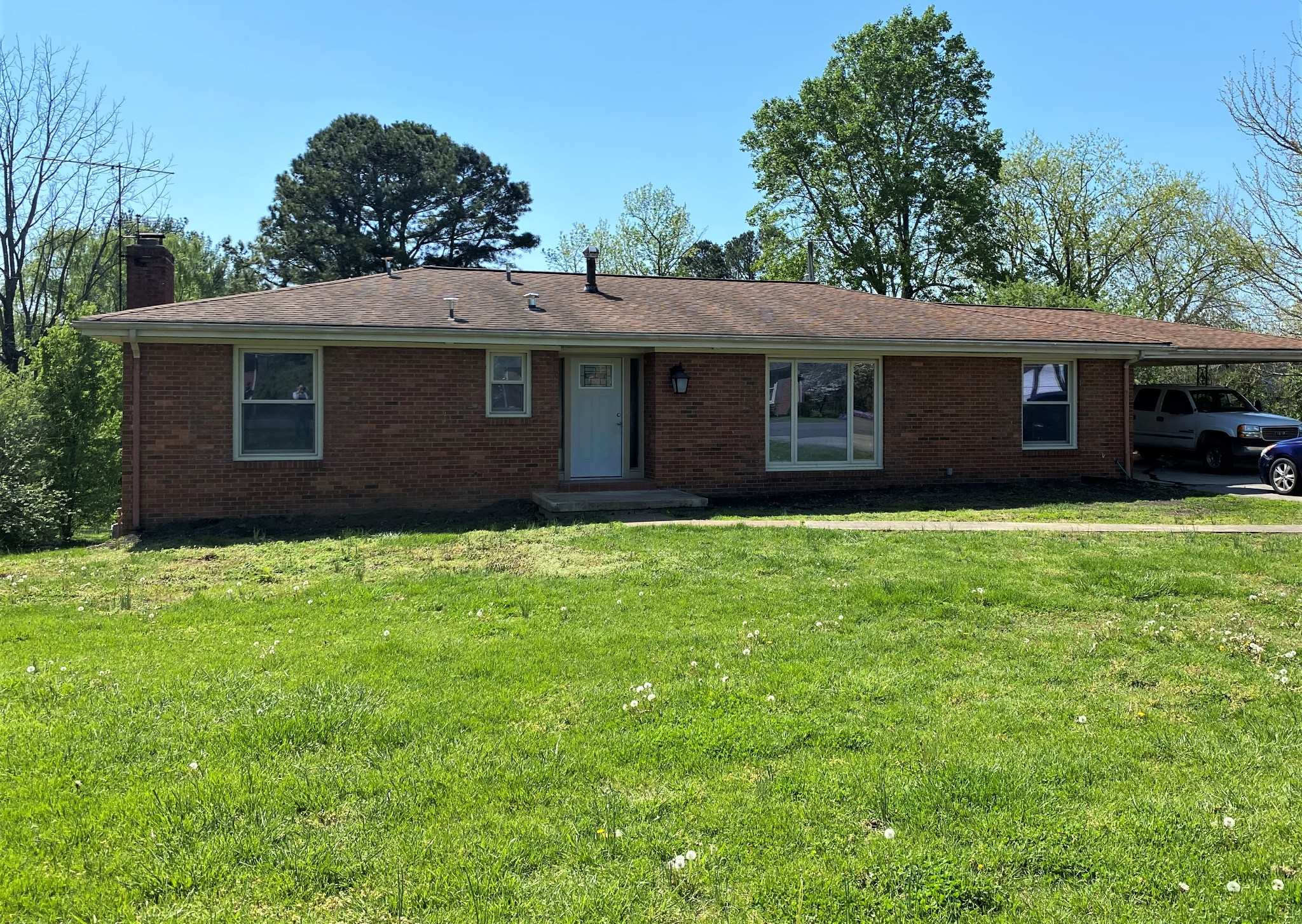 201 S Sequoia Dr Property Photo - Springfield, TN real estate listing