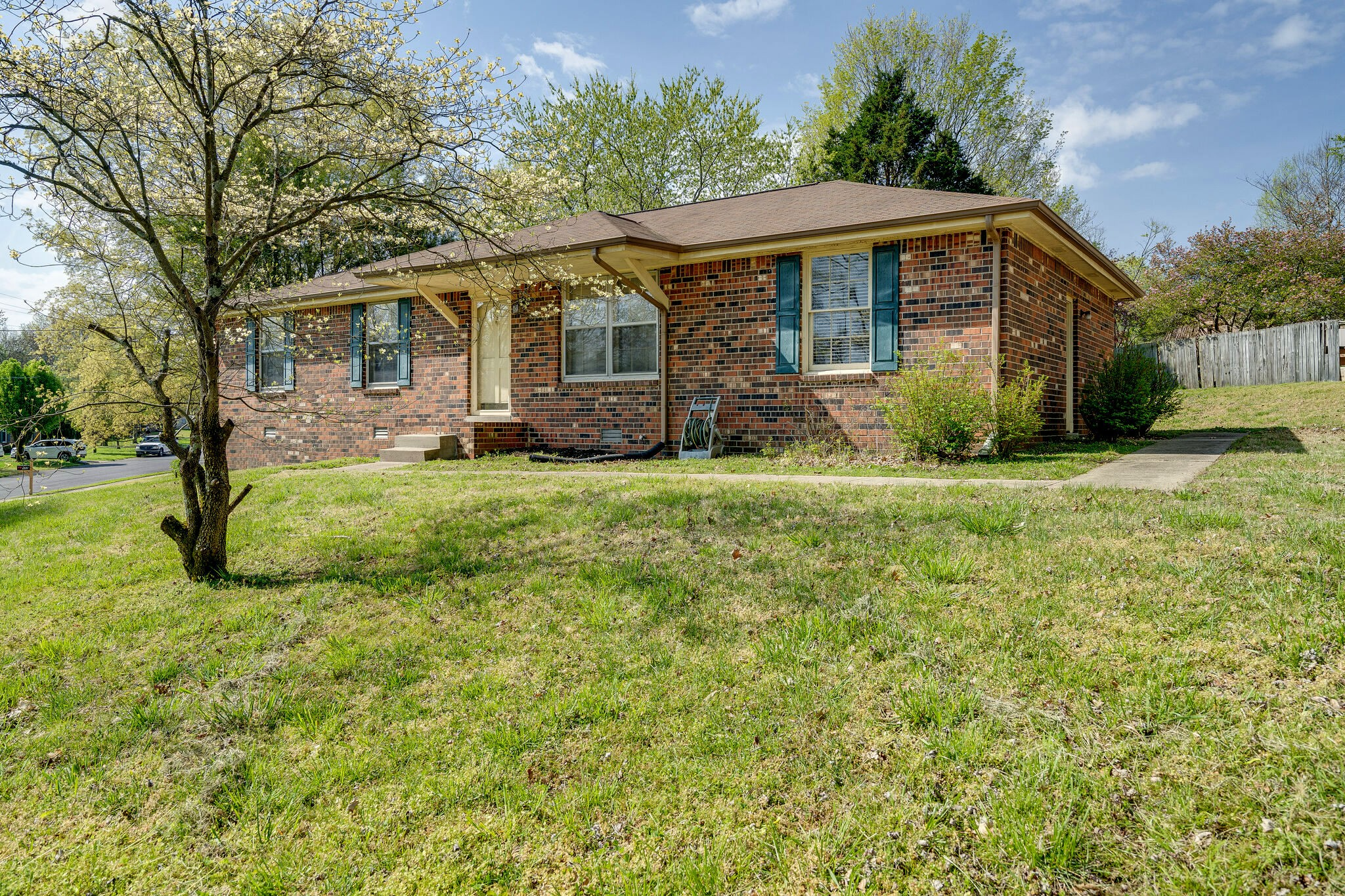 105 Hillwood Ct Property Photo - Hendersonville, TN real estate listing