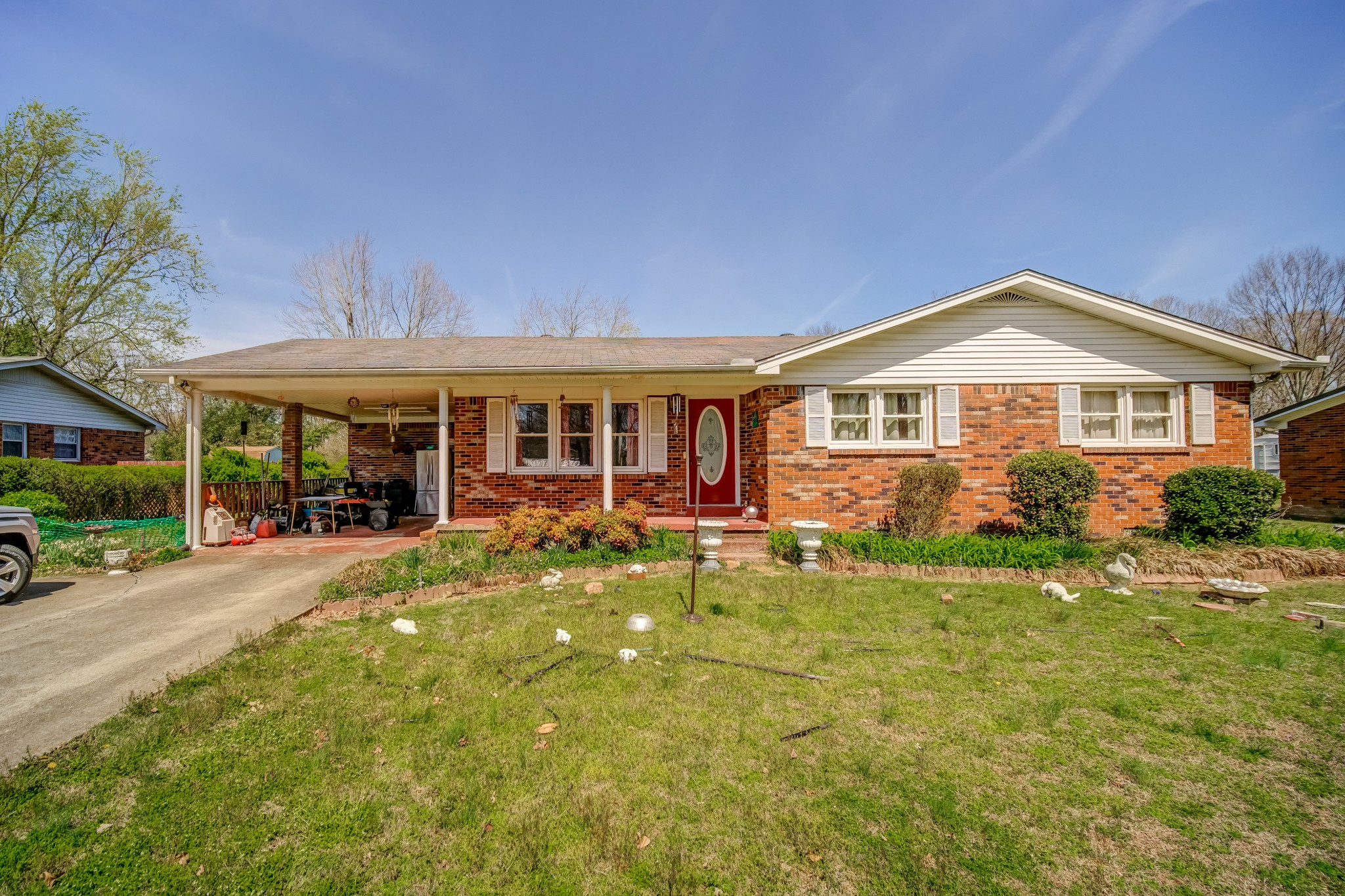 2116 Lambert Dr Property Photo - Westmoreland, TN real estate listing