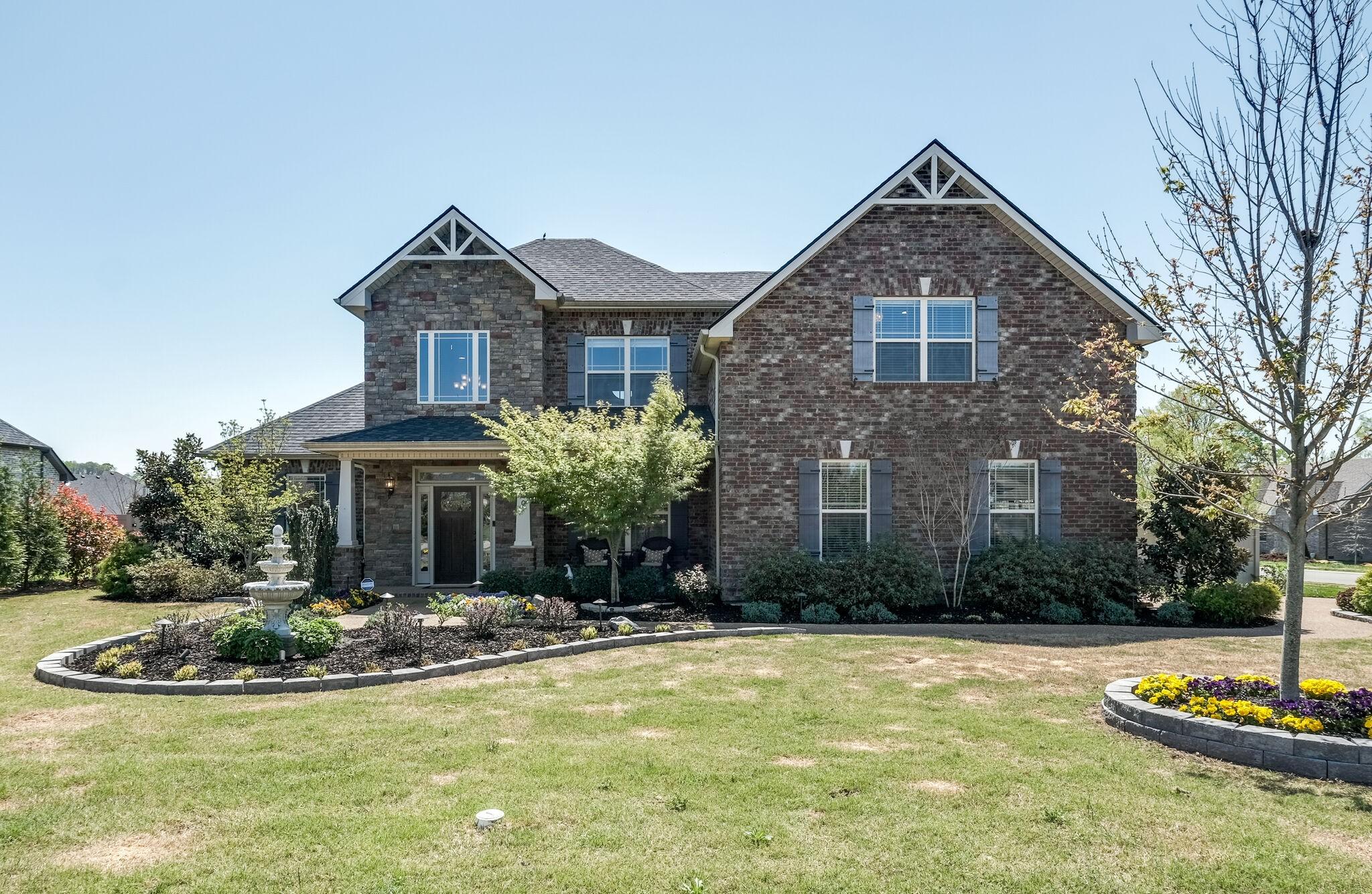 100 Rosalee Ct Property Photo - LA VERGNE, TN real estate listing