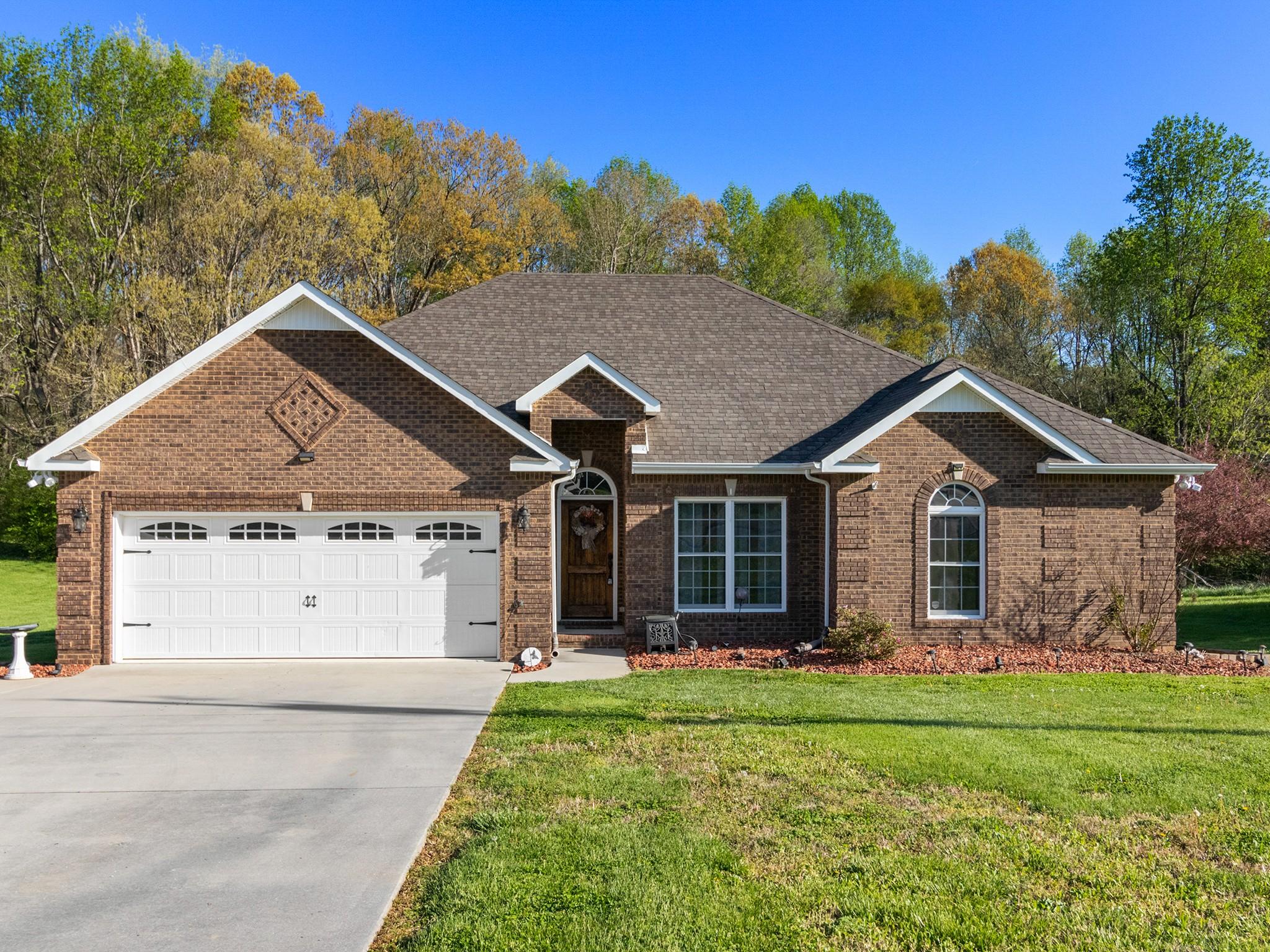 29 Rebecca Ln E Property Photo - Estill Springs, TN real estate listing