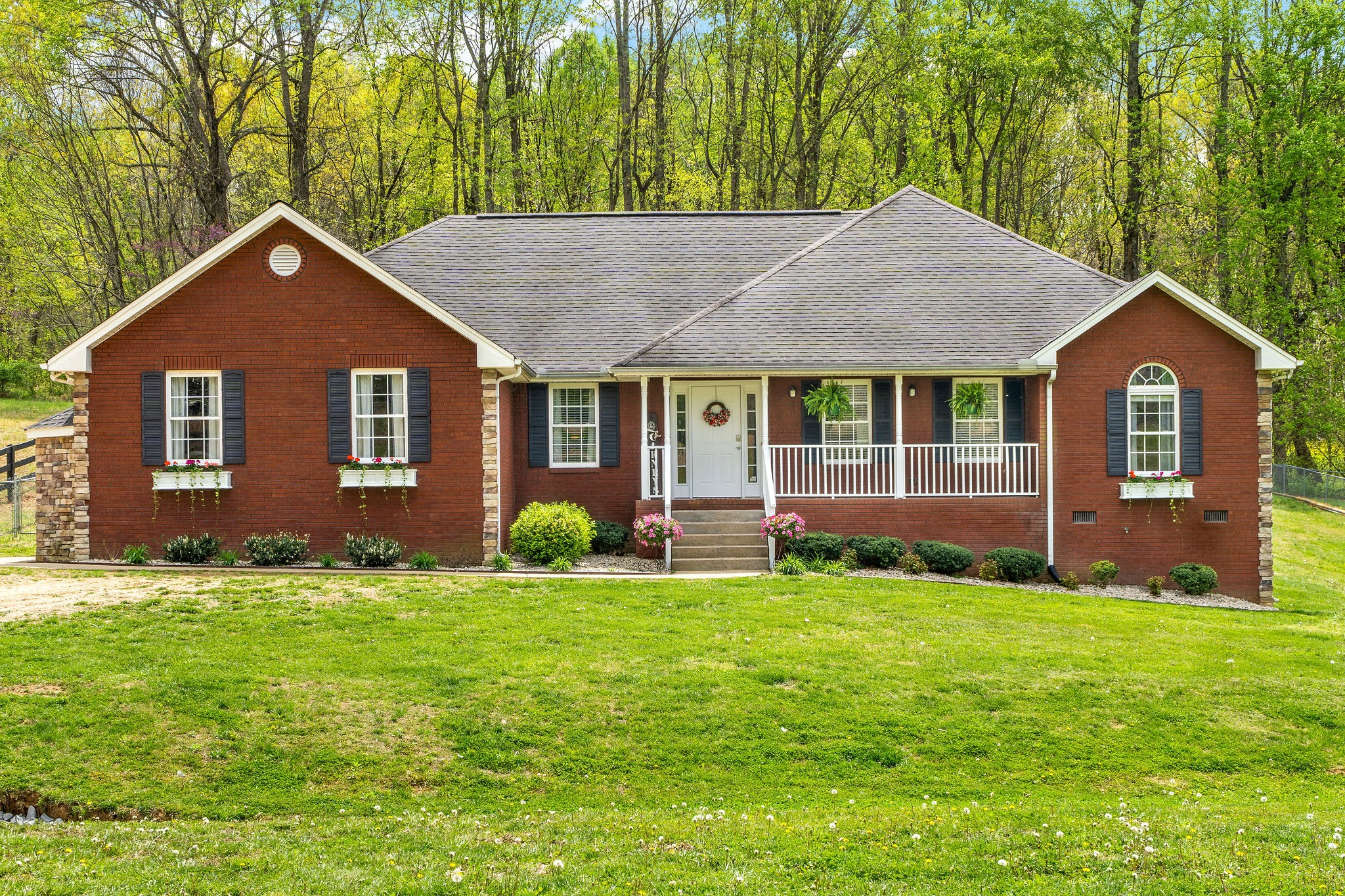1649 Old Clarksville Pike Property Photo - Chapmansboro, TN real estate listing