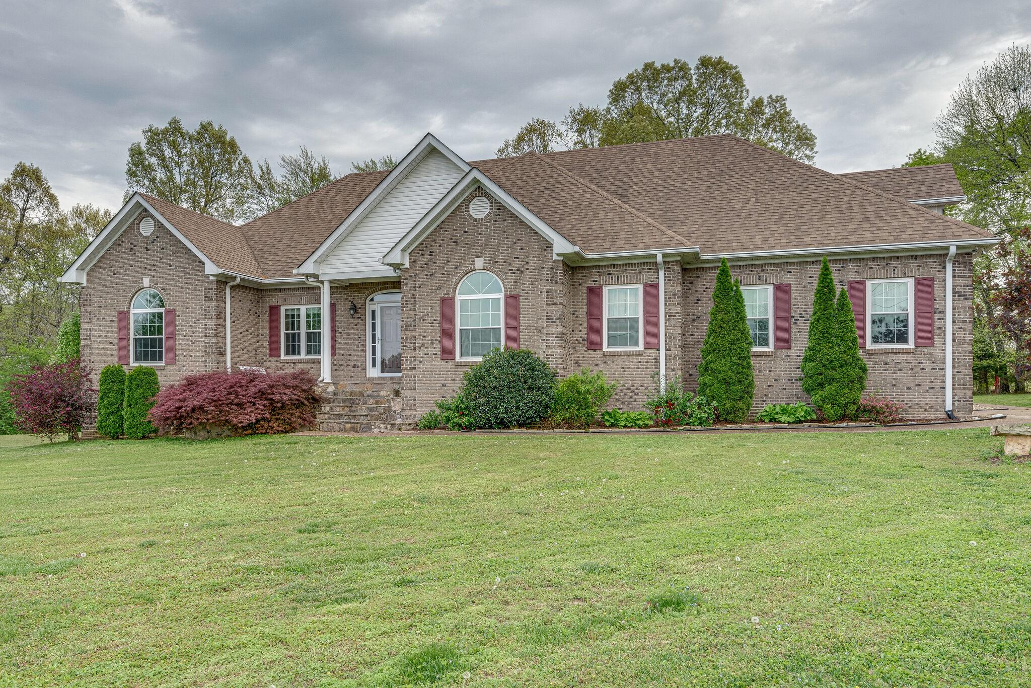 112 Needham Ln Property Photo - Burns, TN real estate listing