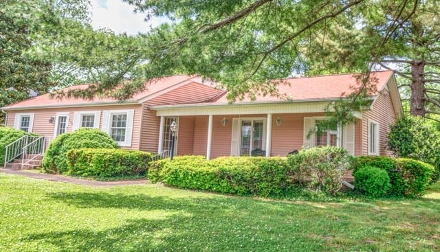 800 W Broad St Property Photo - Decherd, TN real estate listing