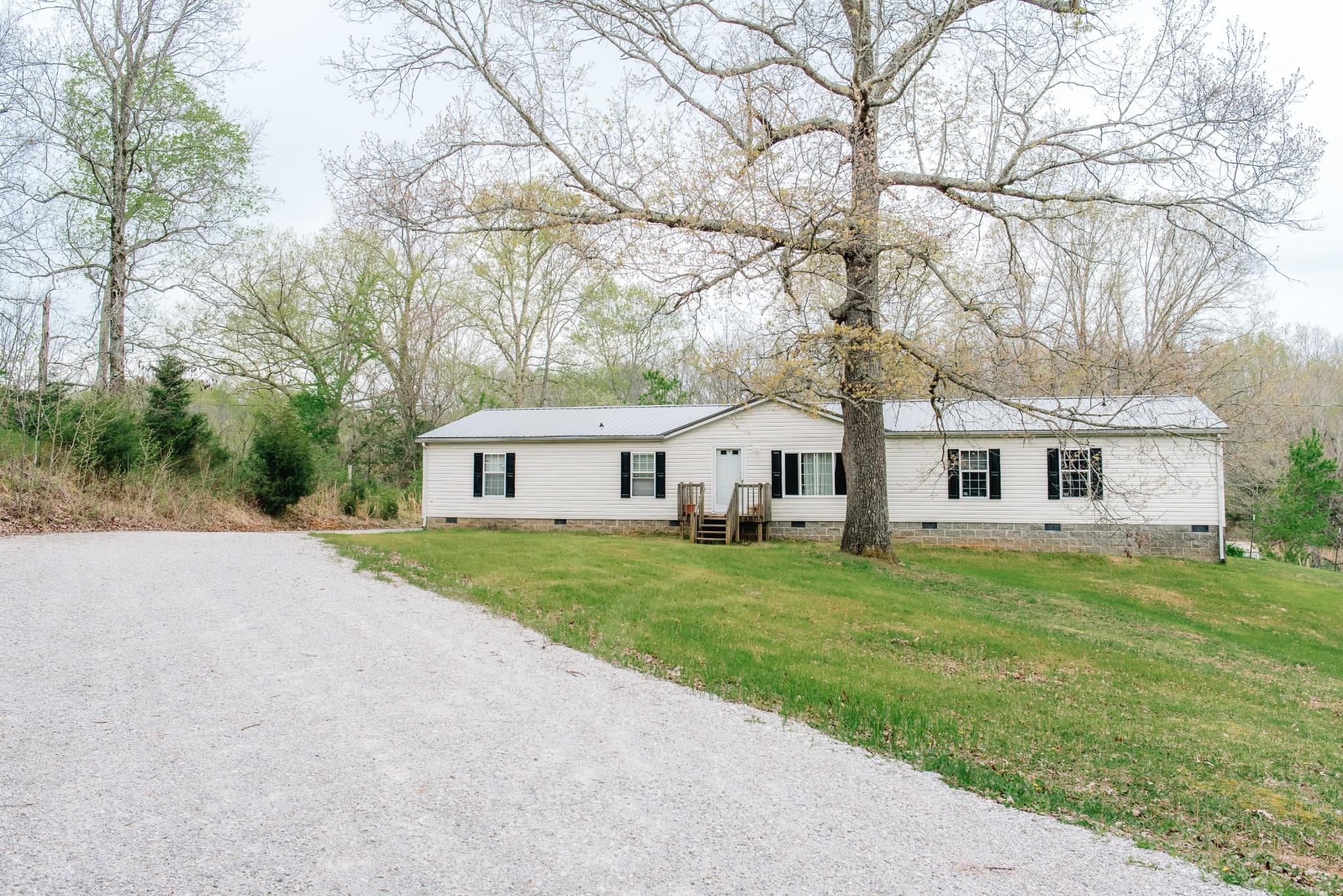 1177 Williamson Branch Rd Property Photo - Vanleer, TN real estate listing