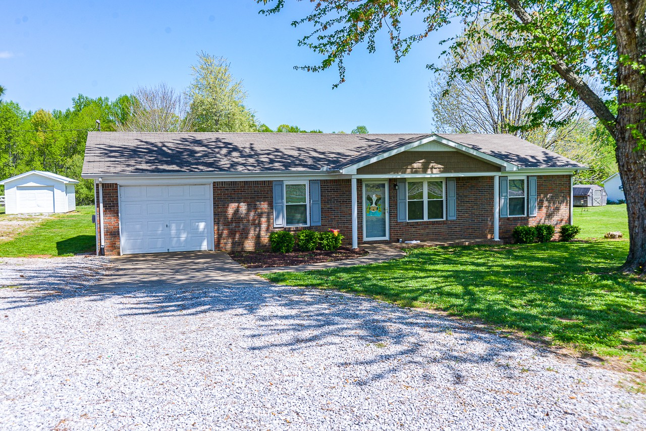 525 Oliver Smith Rd Property Photo - Flintville, TN real estate listing