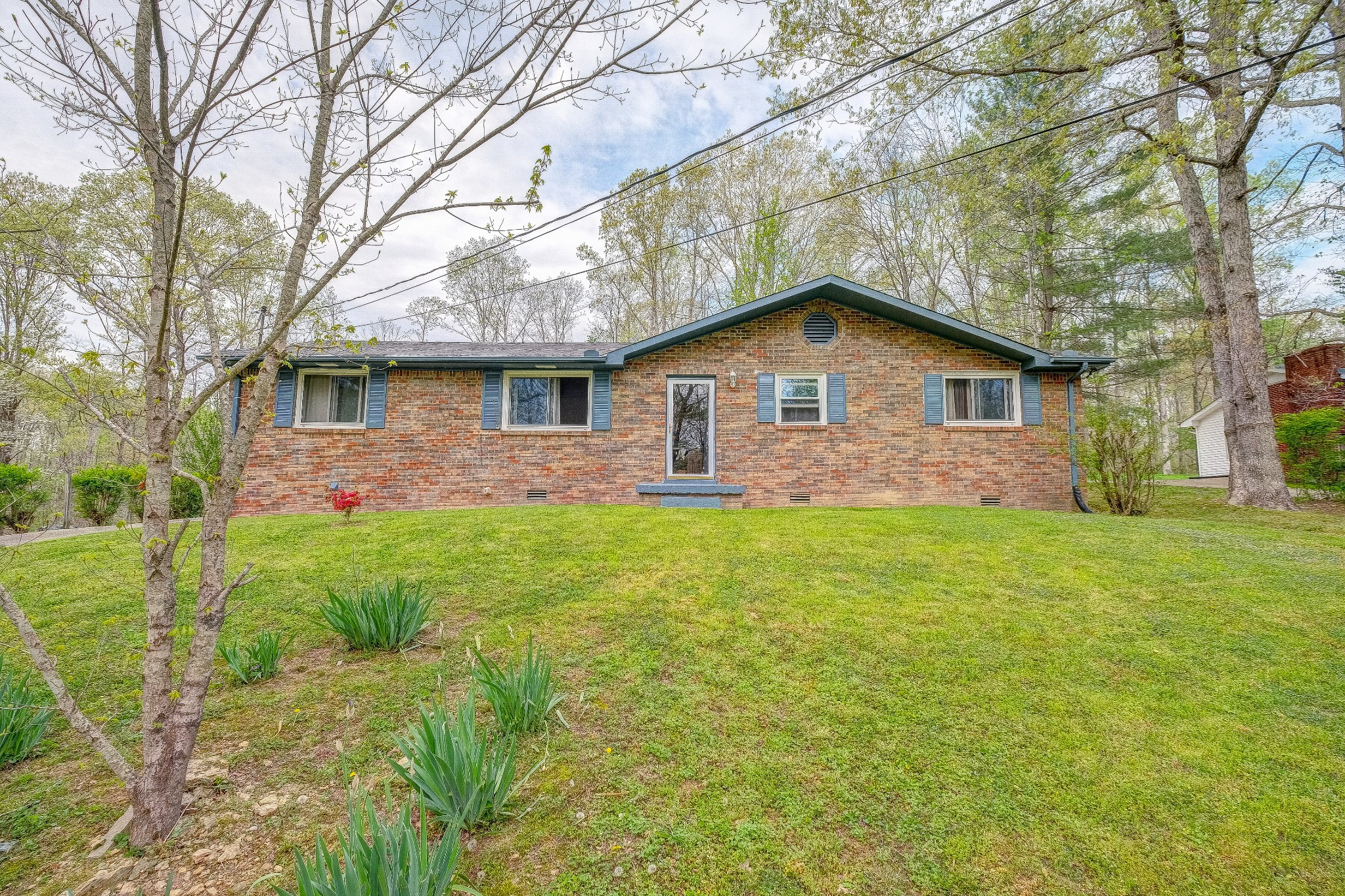 1028 Ward Ln Property Photo - Kingston Springs, TN real estate listing