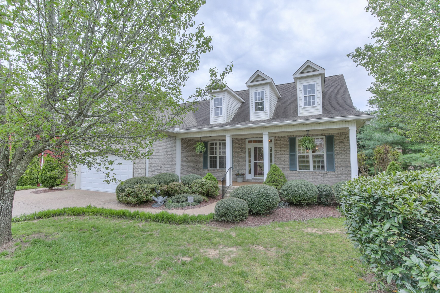 2300 Forest Lake Dr Property Photo - Nashville, TN real estate listing