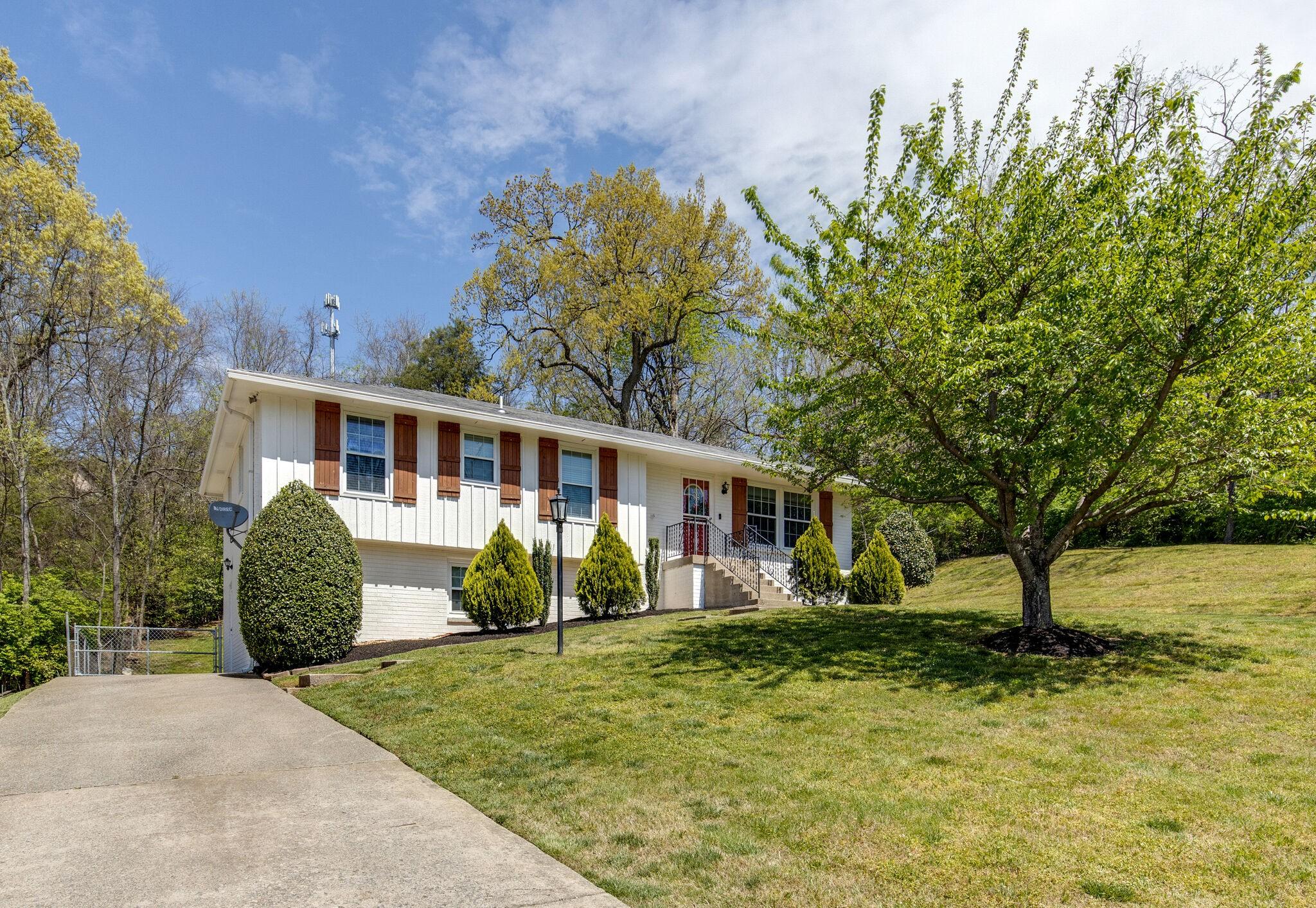 536 Huntington Pkwy Property Photo - Nashville, TN real estate listing