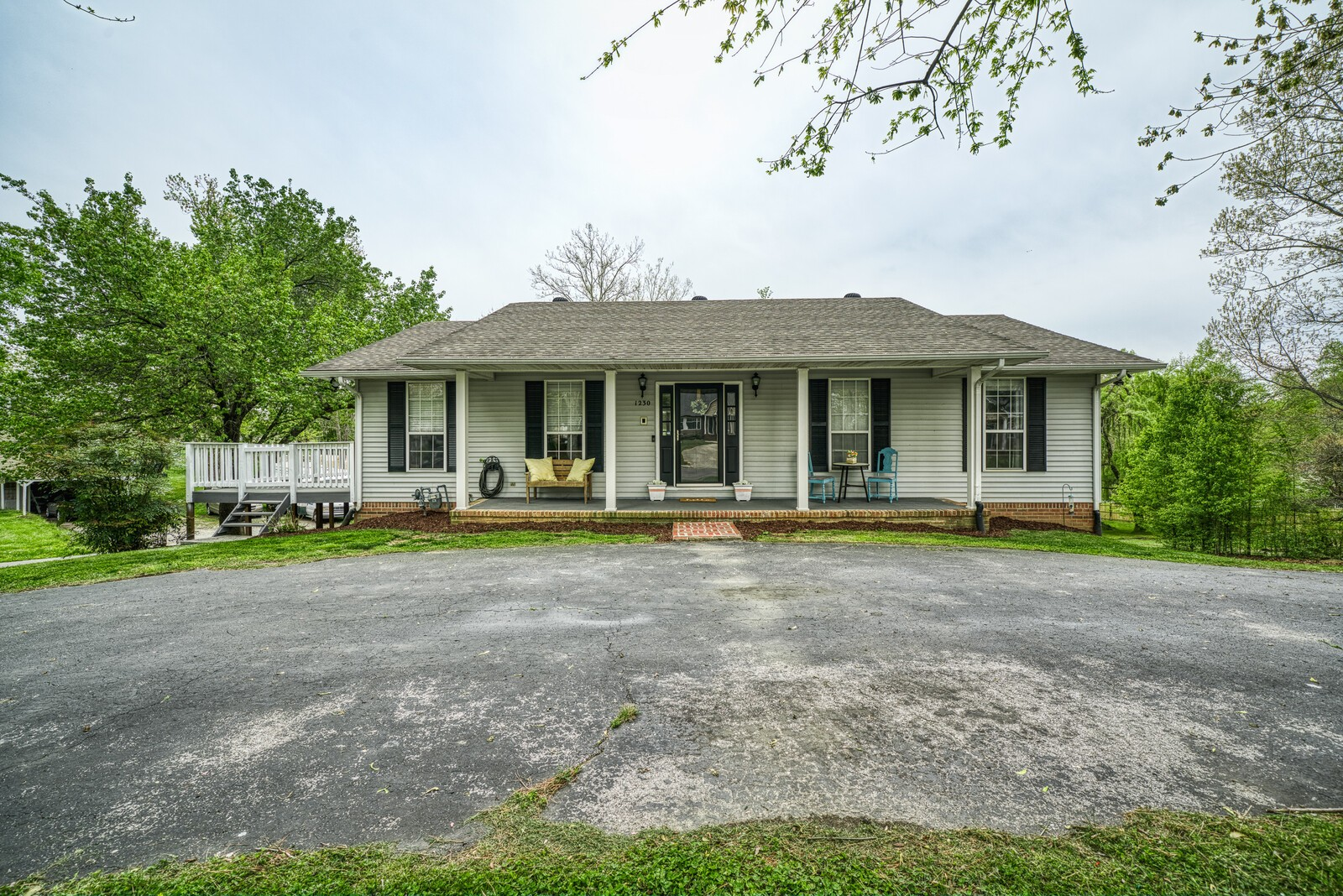 1230 Crescent Dr Property Photo - Cookeville, TN real estate listing