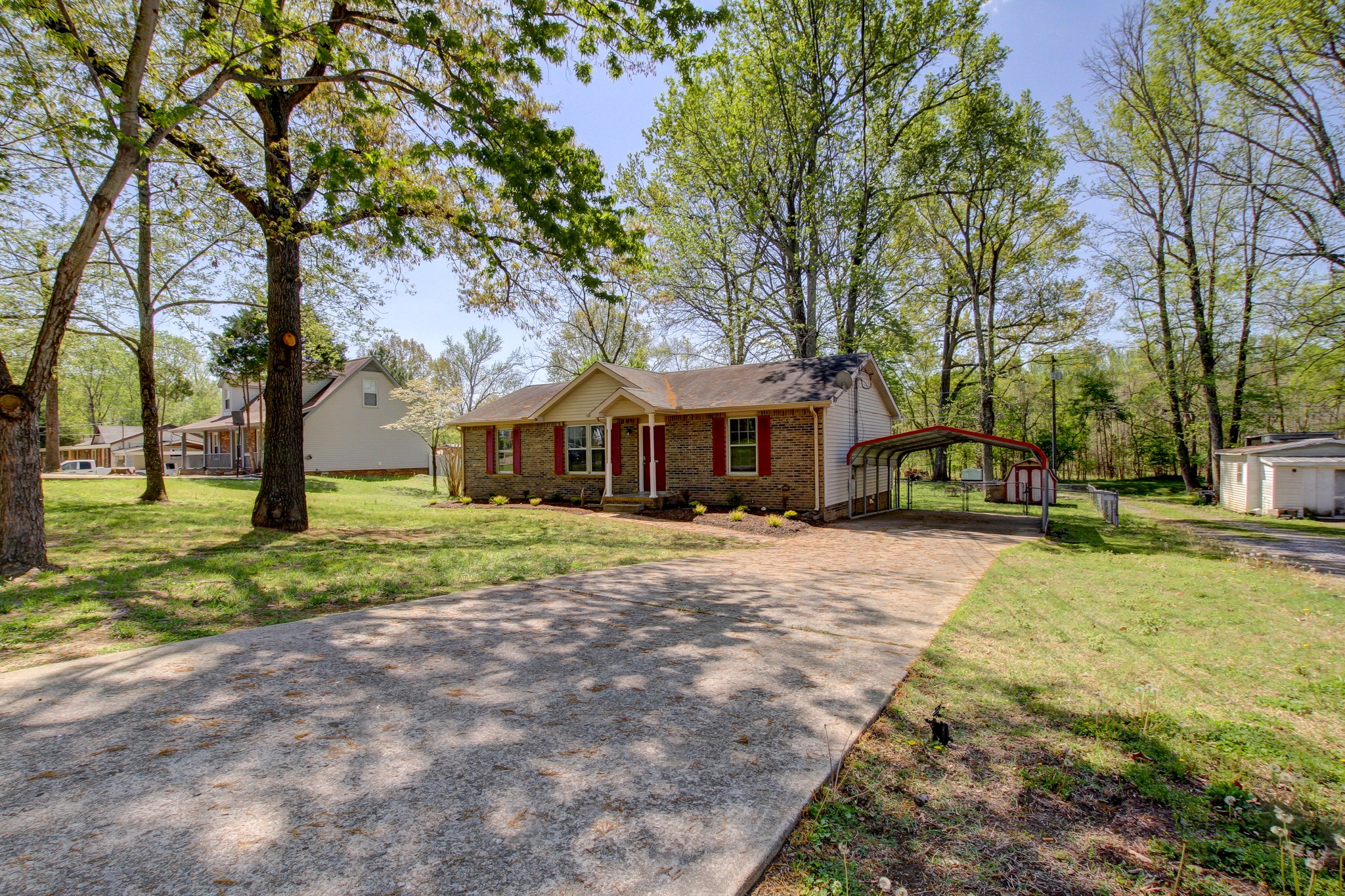 518 Mallory Dr Property Photo - Clarksville, TN real estate listing