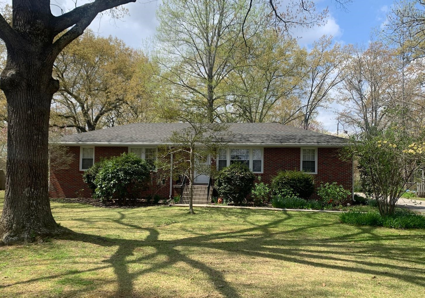 207 Westwood Dr Property Photo - Tullahoma, TN real estate listing