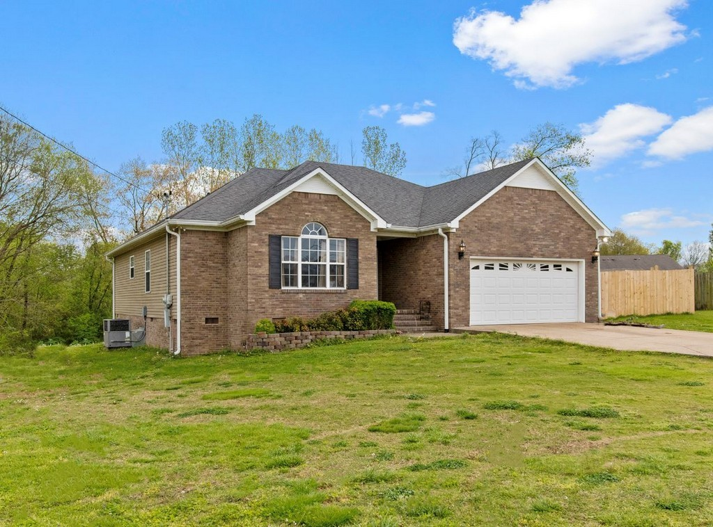 406 Brookside Dr Property Photo - Mount Pleasant, TN real estate listing