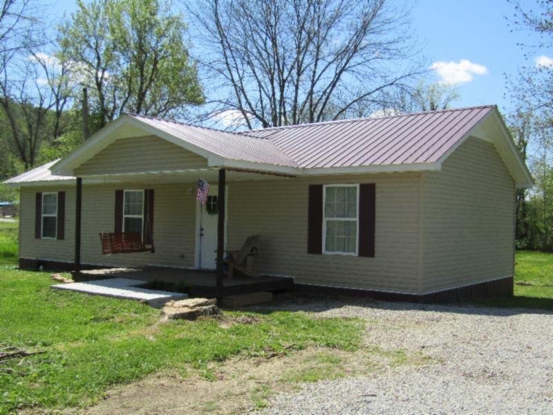 1369 Mitchell St Property Photo