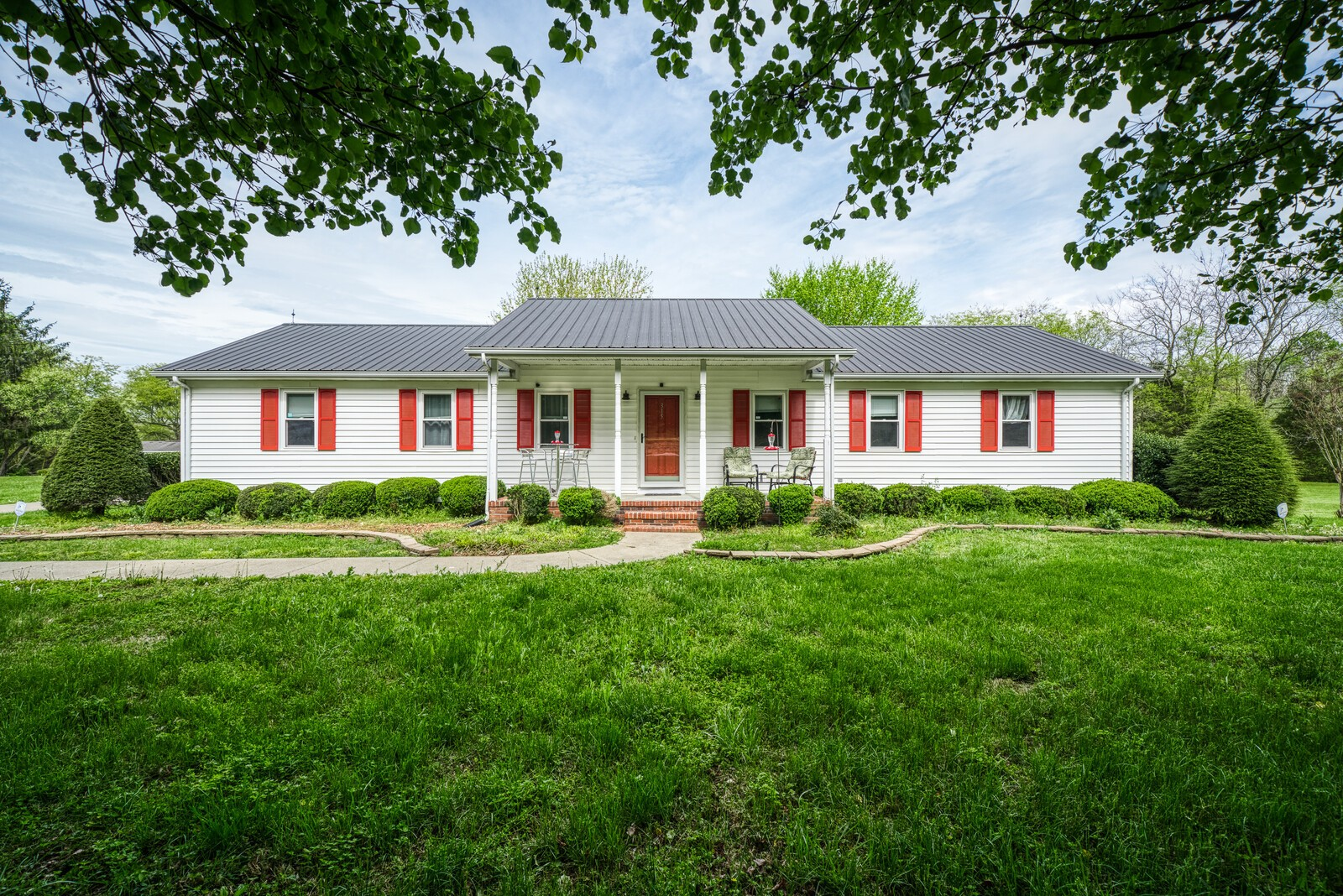Alexandria Real Estate Listings Main Image