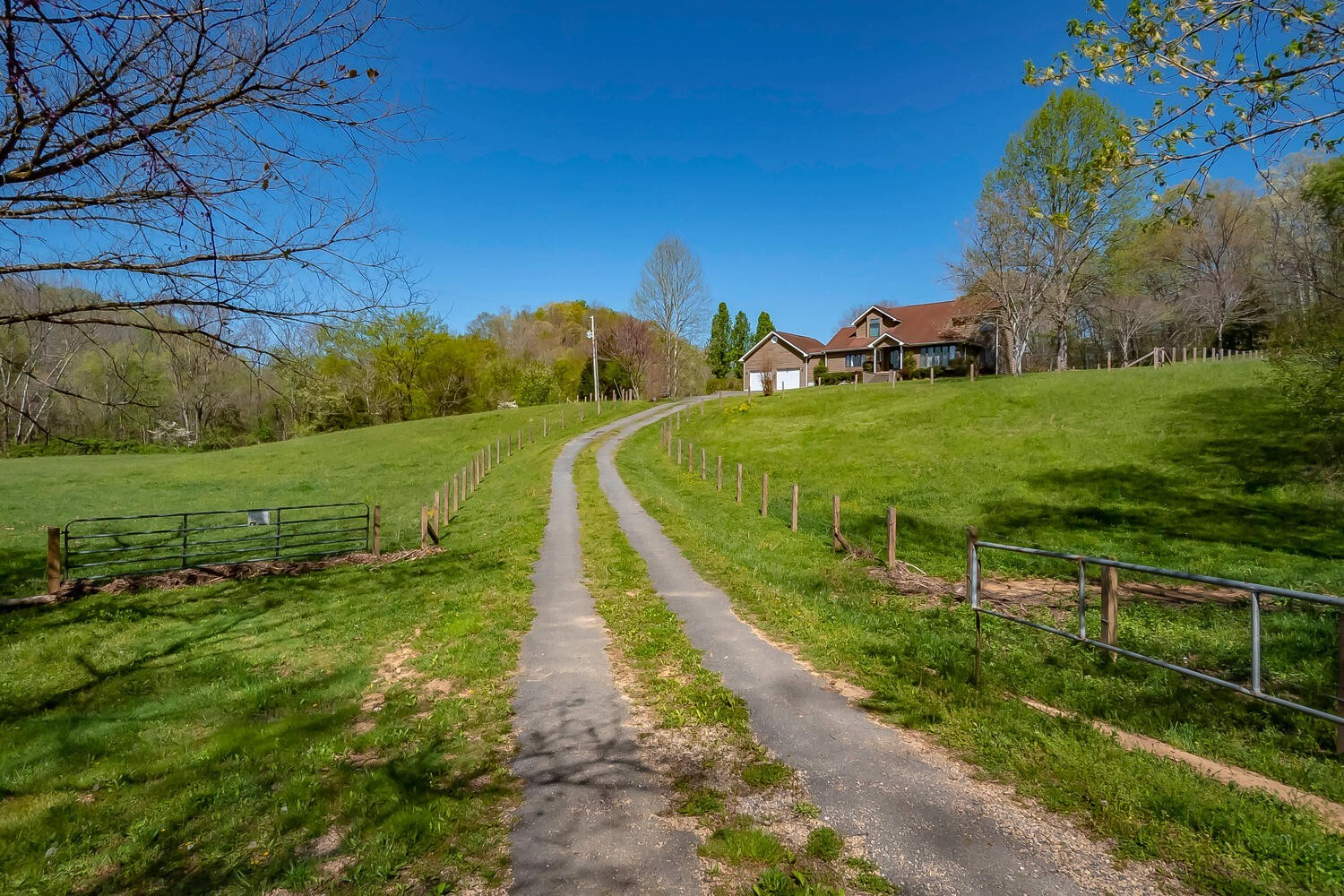 6762 Willow Spring Rd Property Photo - Lyles, TN real estate listing