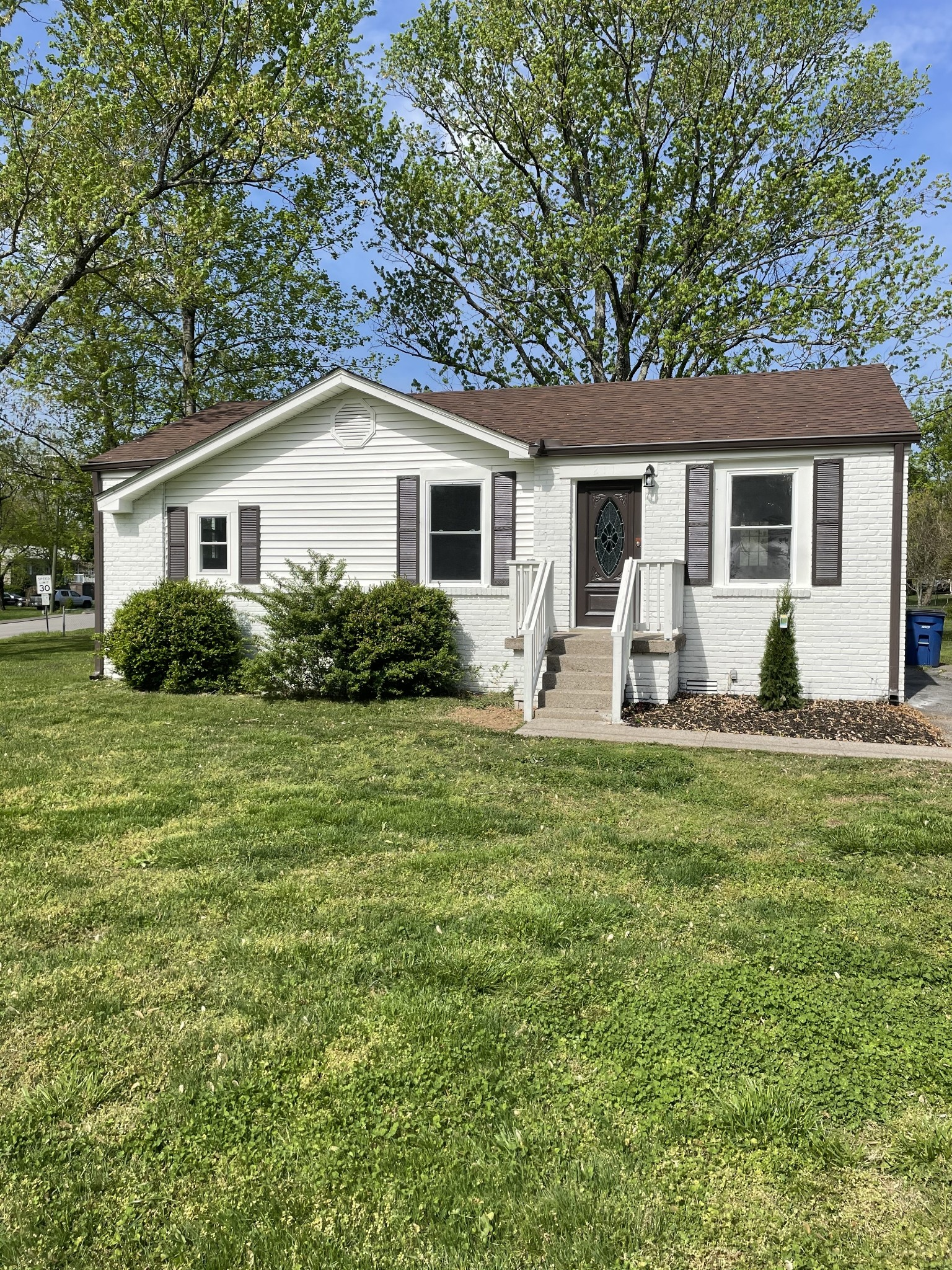 211 Monticello Ave Property Photo - Goodlettsville, TN real estate listing
