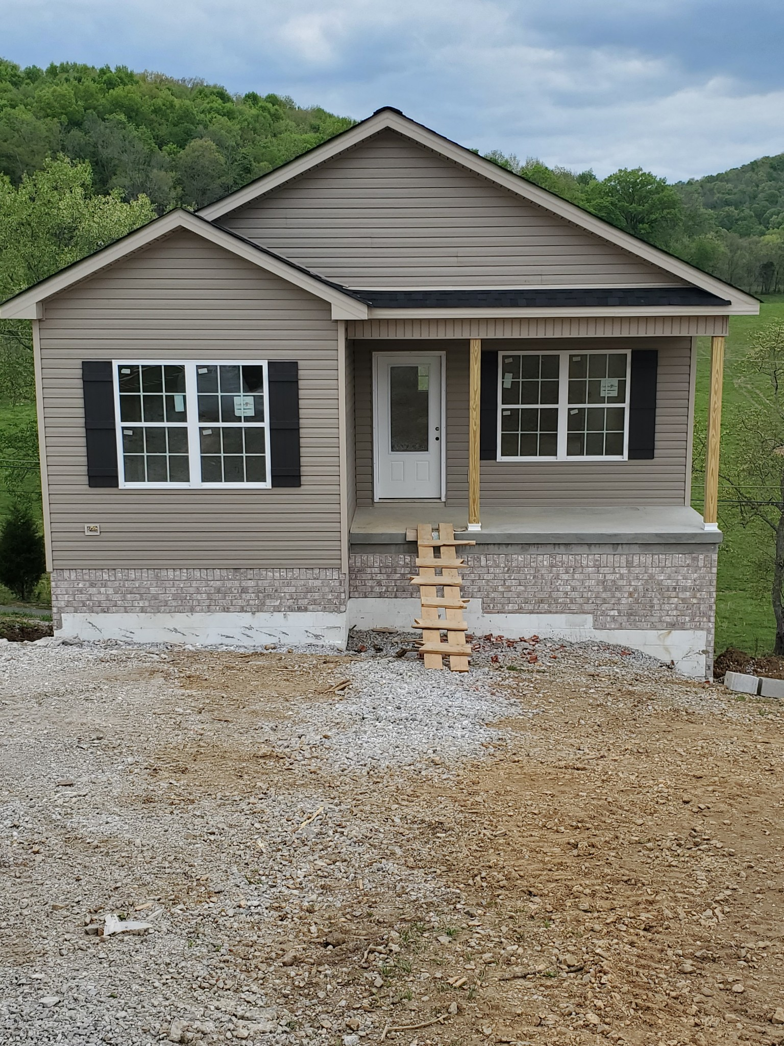 138 Rolling Hills Cir Property Photo - Brush Creek, TN real estate listing