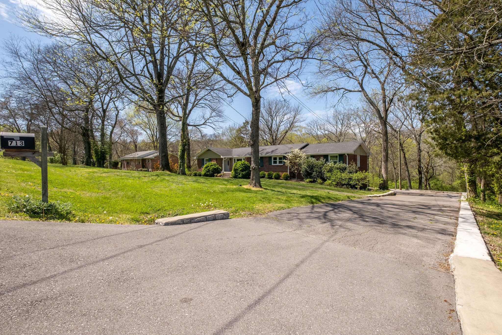 713 S Summerfield Dr Property Photo - Madison, TN real estate listing