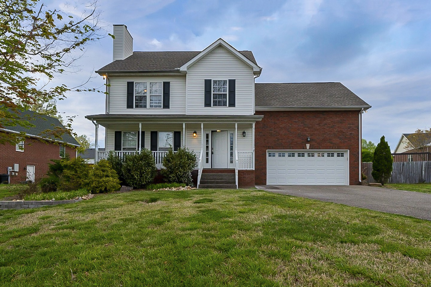 8009 Anna Ct Property Photo - Greenbrier, TN real estate listing