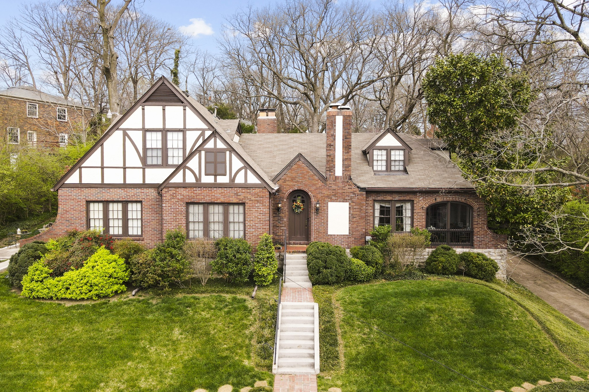 2816 Blair Blvd Property Photo