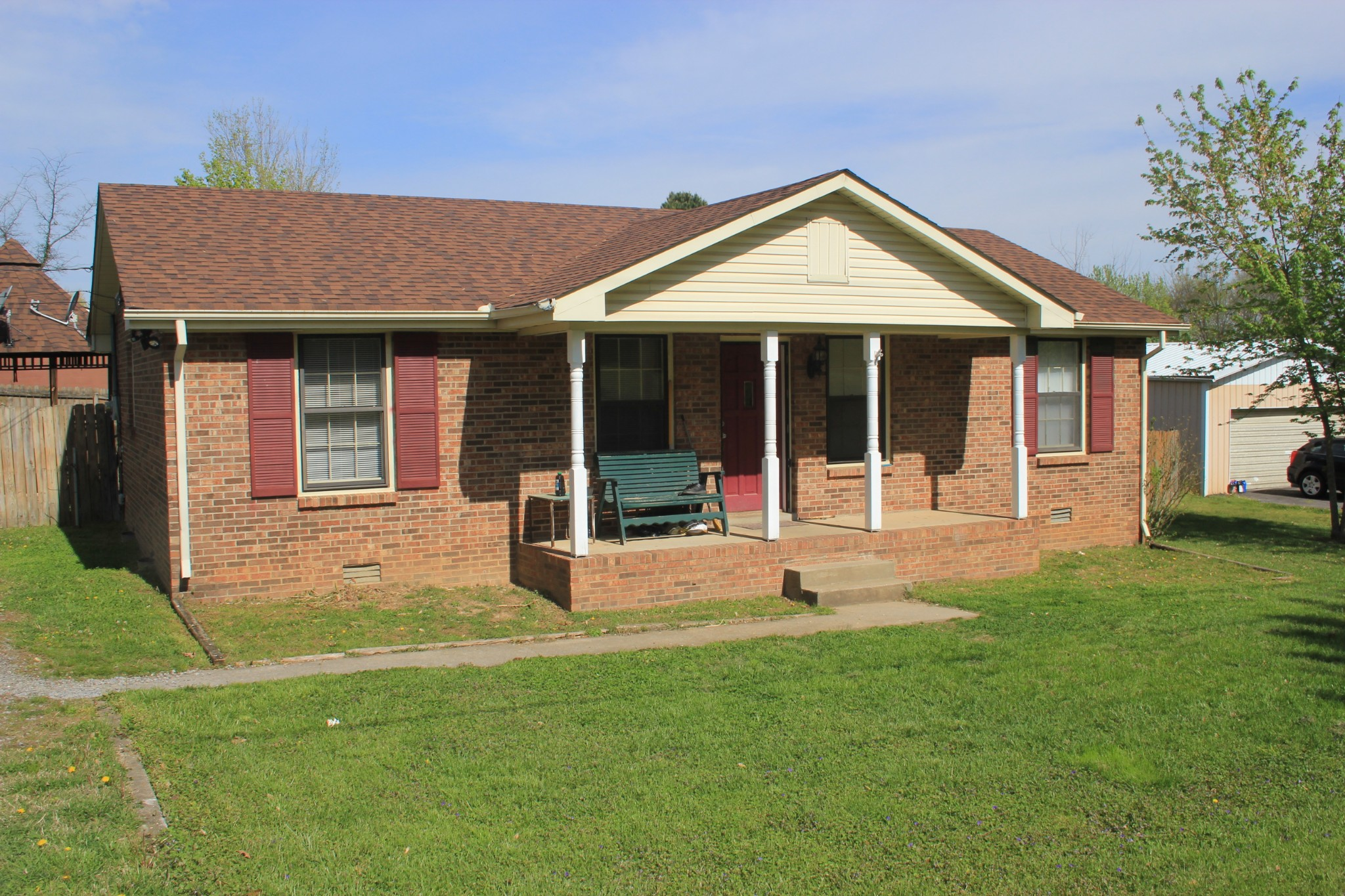 302 E Hillcrest Dr Property Photo - Springfield, TN real estate listing