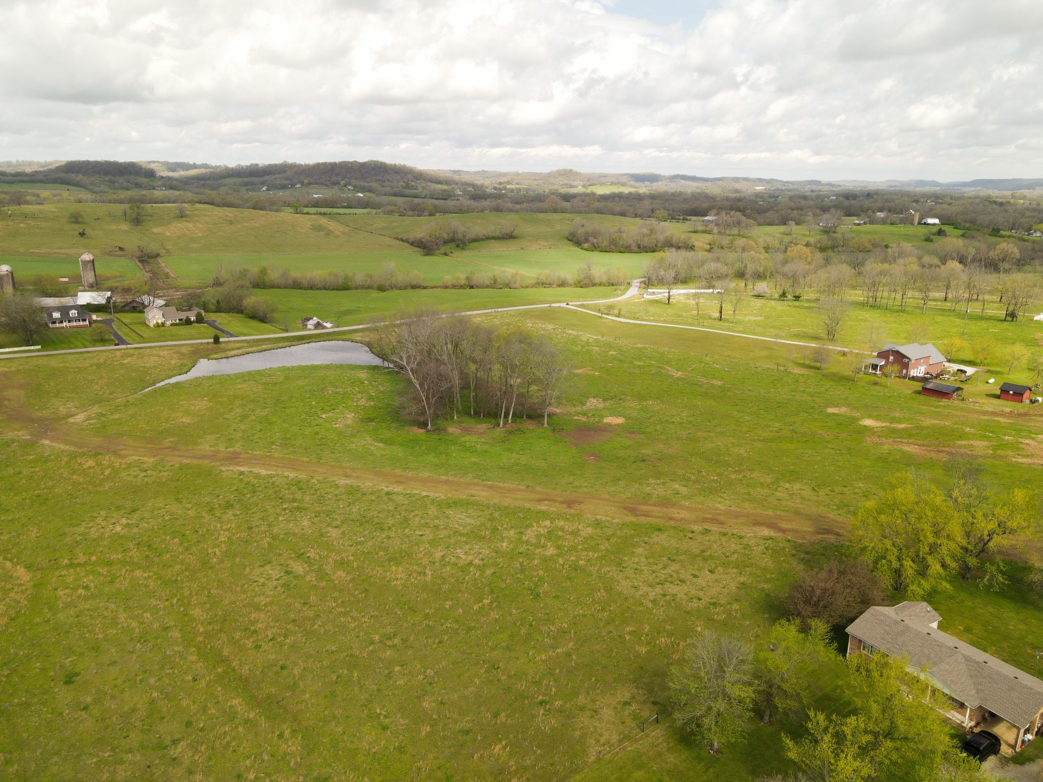 0 S Cross Bridges Rd Property Photo - Mount Pleasant, TN real estate listing
