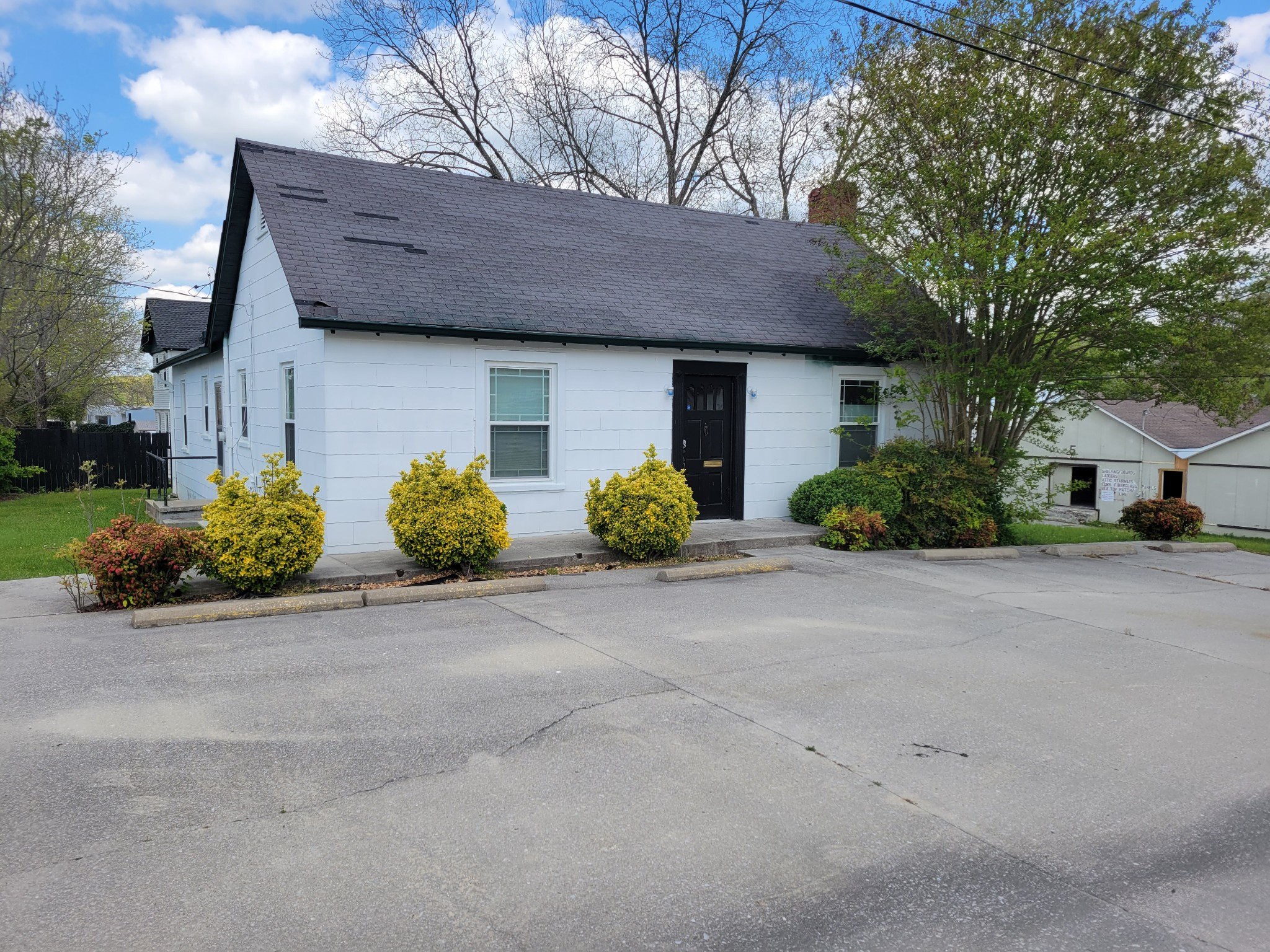 209 E McLean St Property Photo - Manchester, TN real estate listing