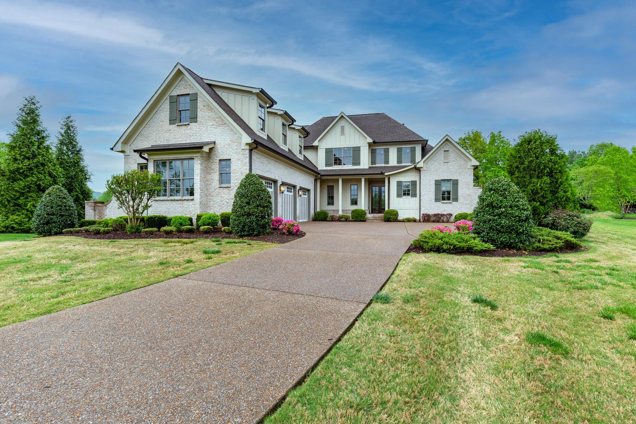 1000 Chapel Lake Cir Property Photo