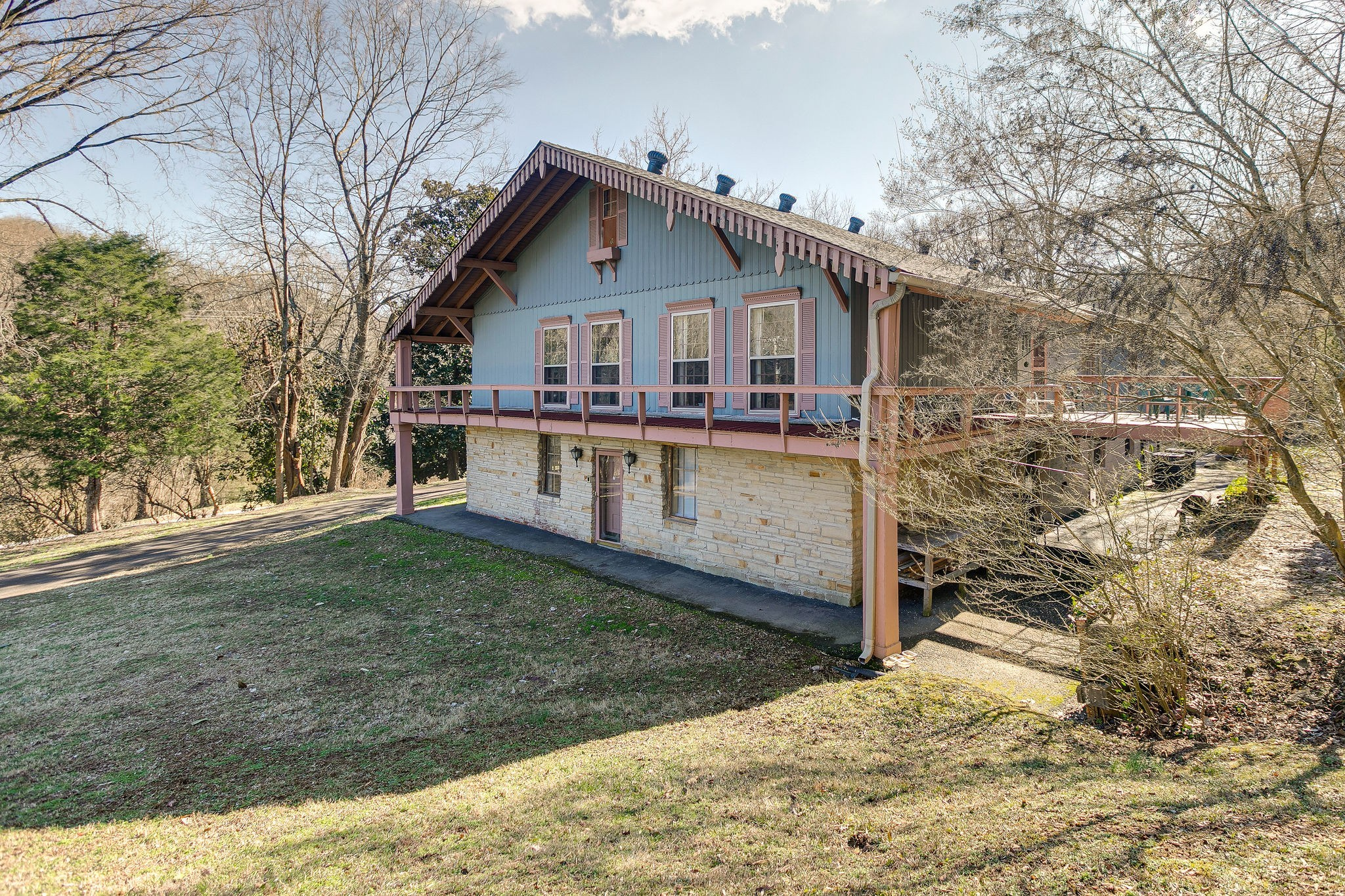 2068 Sunny Side Drive Property Photo - Brentwood, TN real estate listing