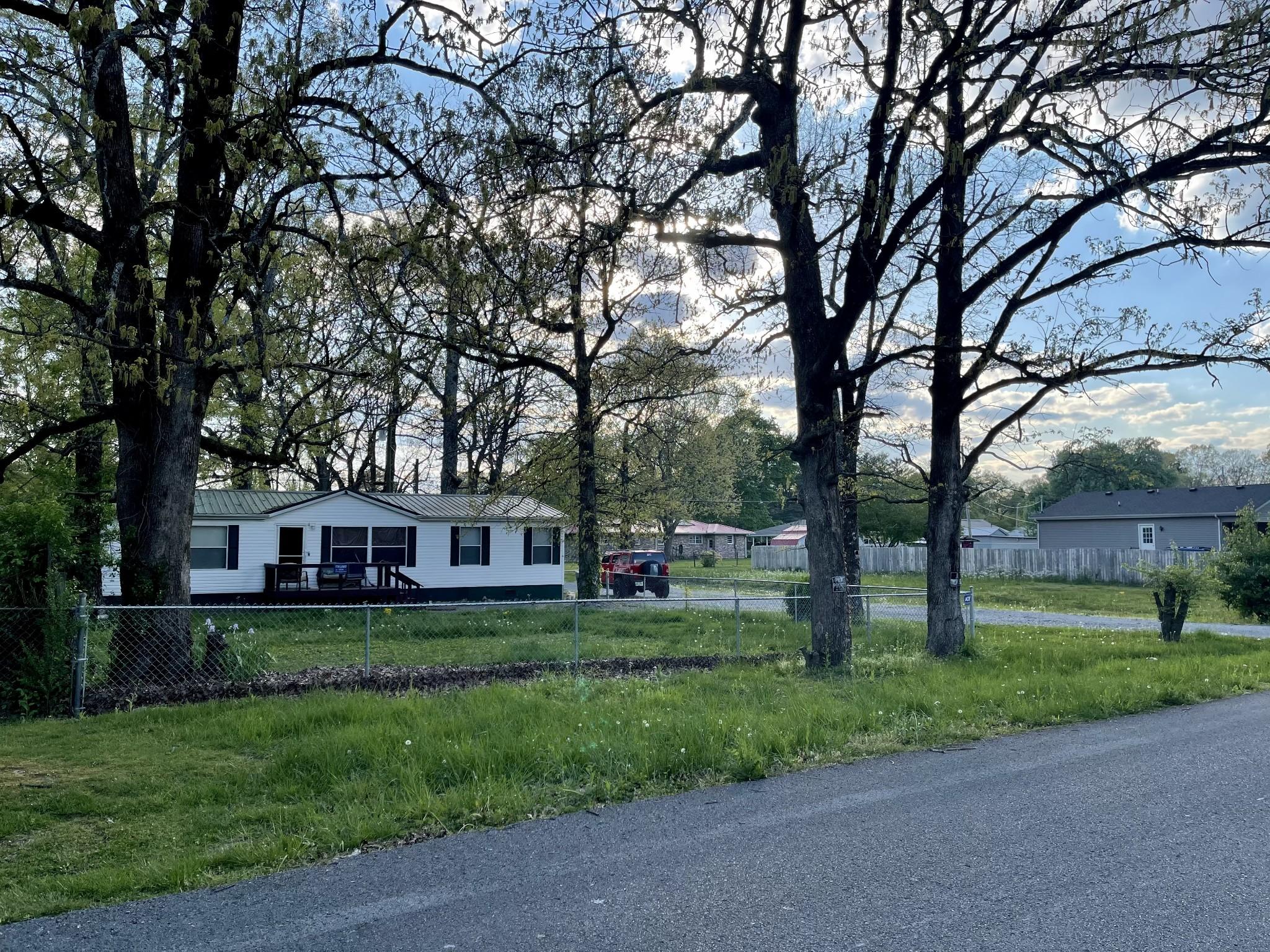 210 Broadrick St Property Photo - Tullahoma, TN real estate listing