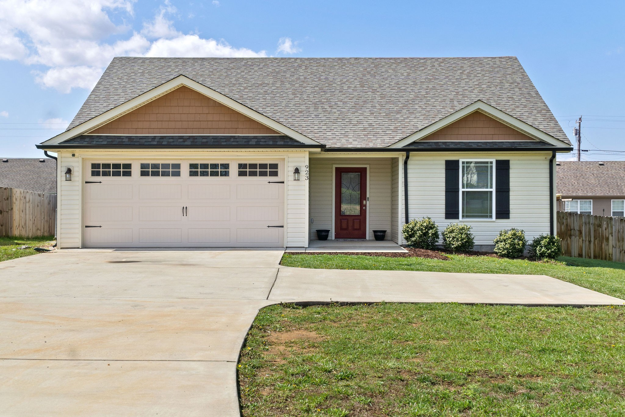 923 Hugh Hunter Rd Property Photo - Oak Grove, KY real estate listing